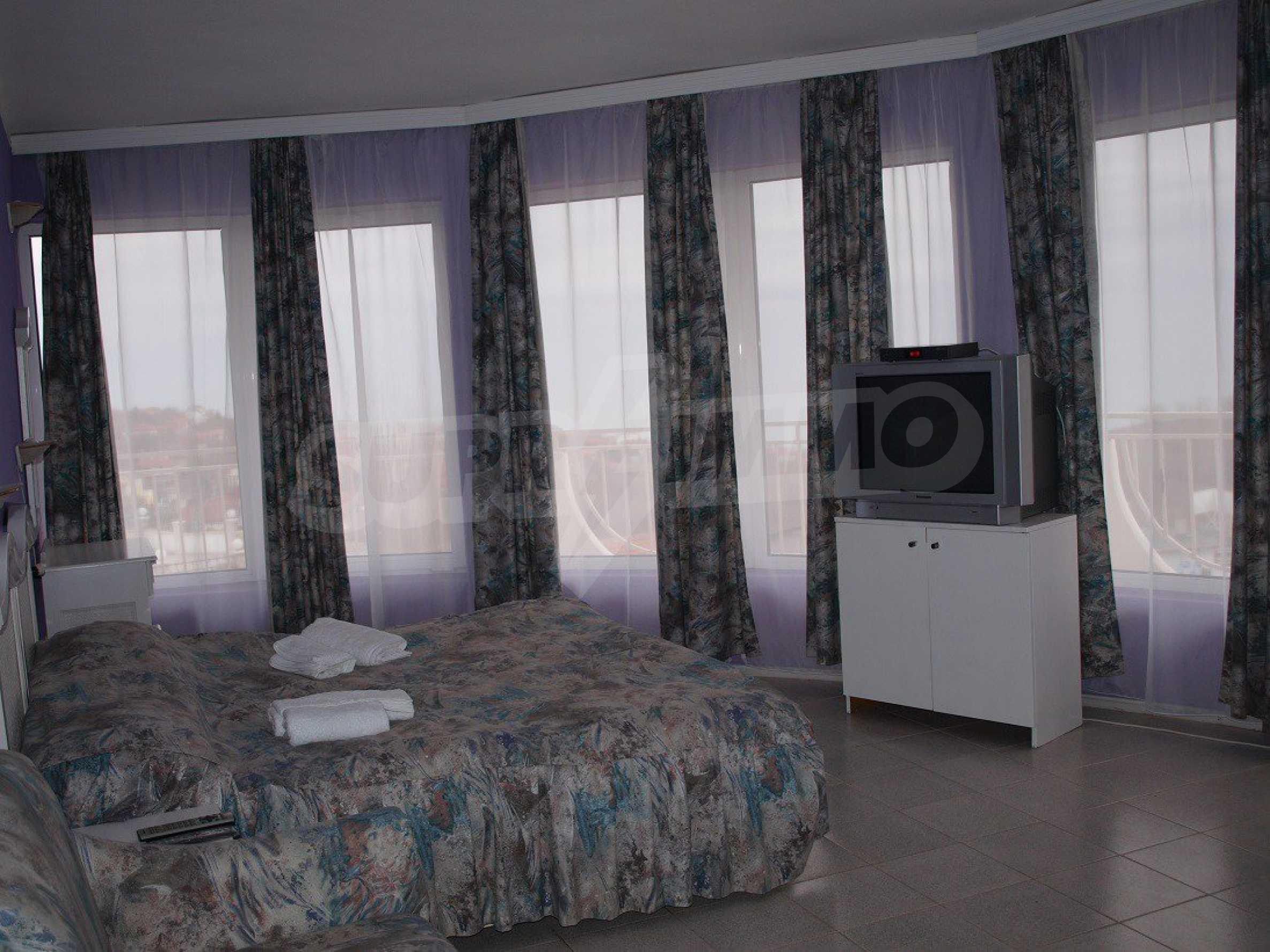 Хотел Елена 34