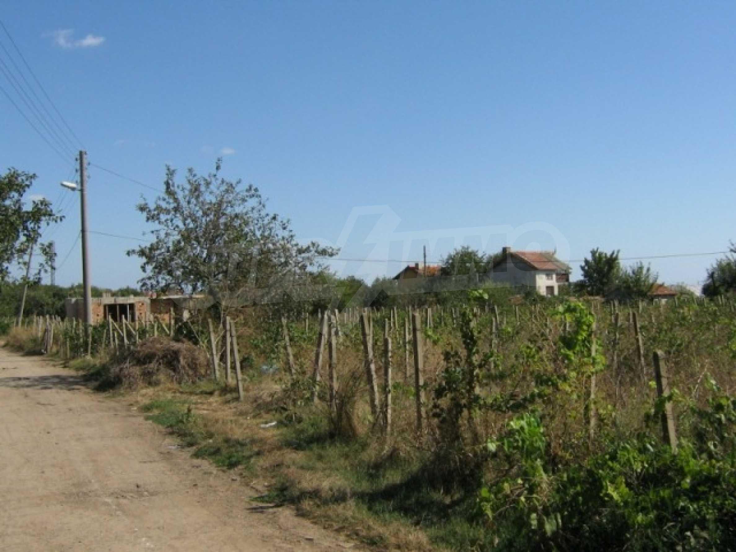 Plot in the town of Kavarna 1