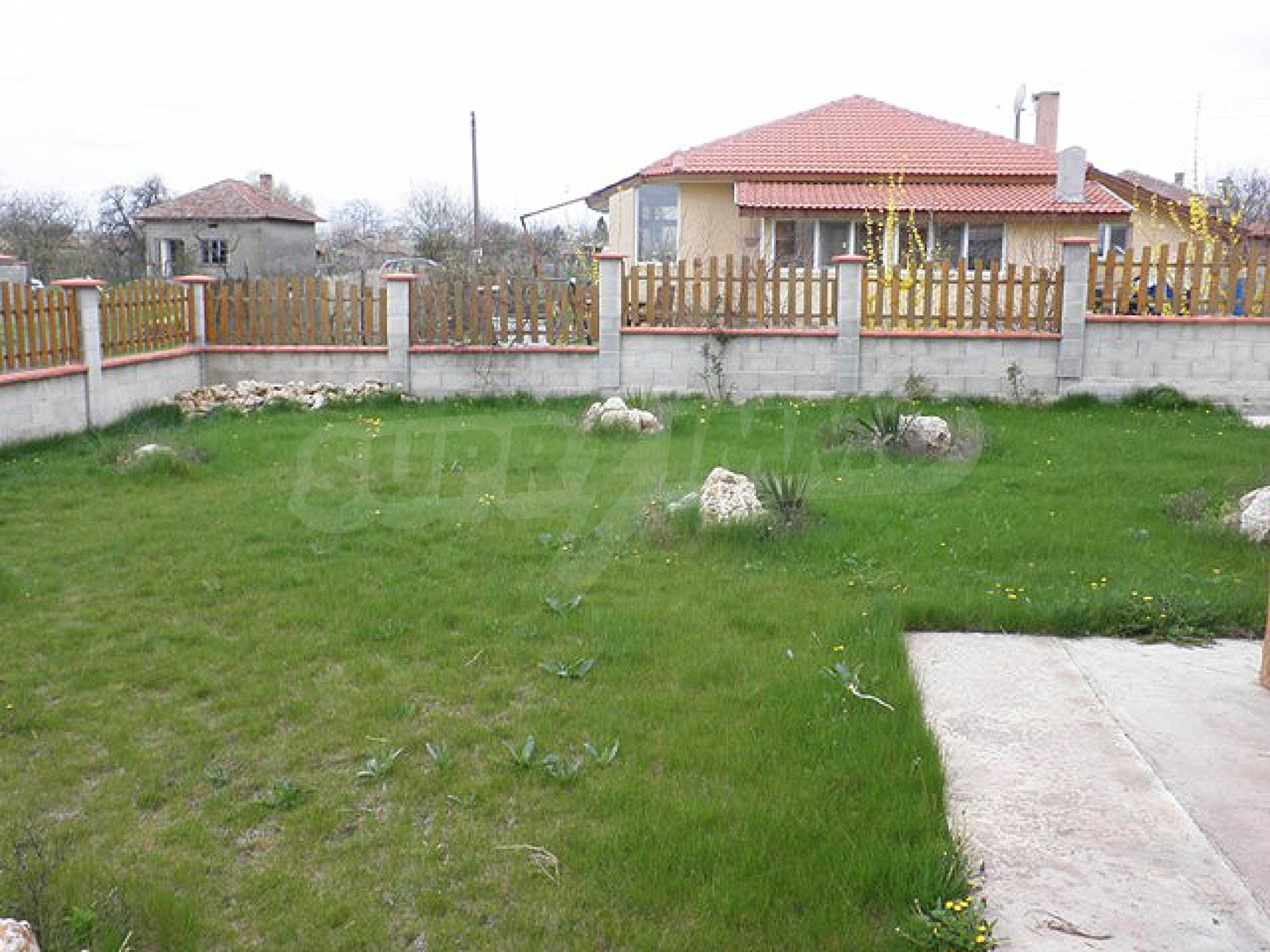 A house in Lyulyakovo 4