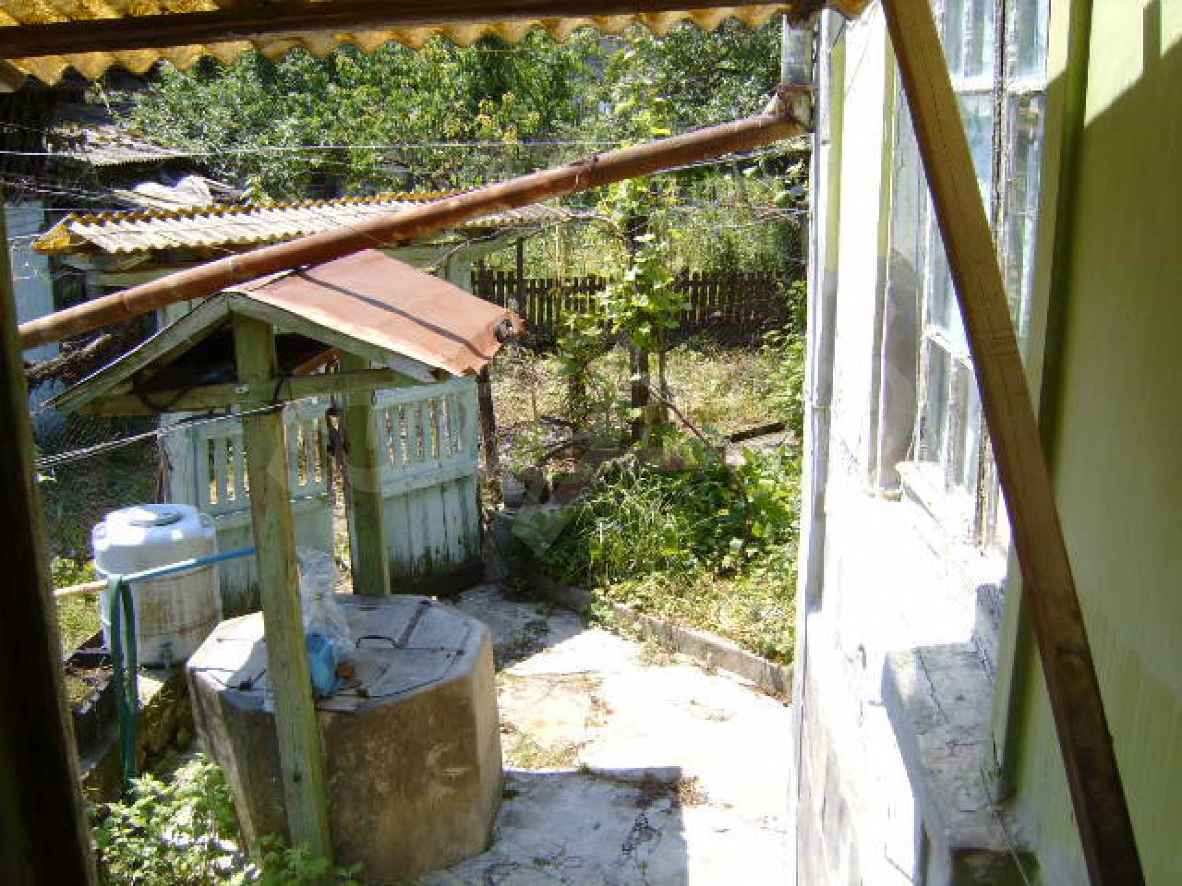 A lovely, typically rural house 20 km. from Veliko Tarnovo 10