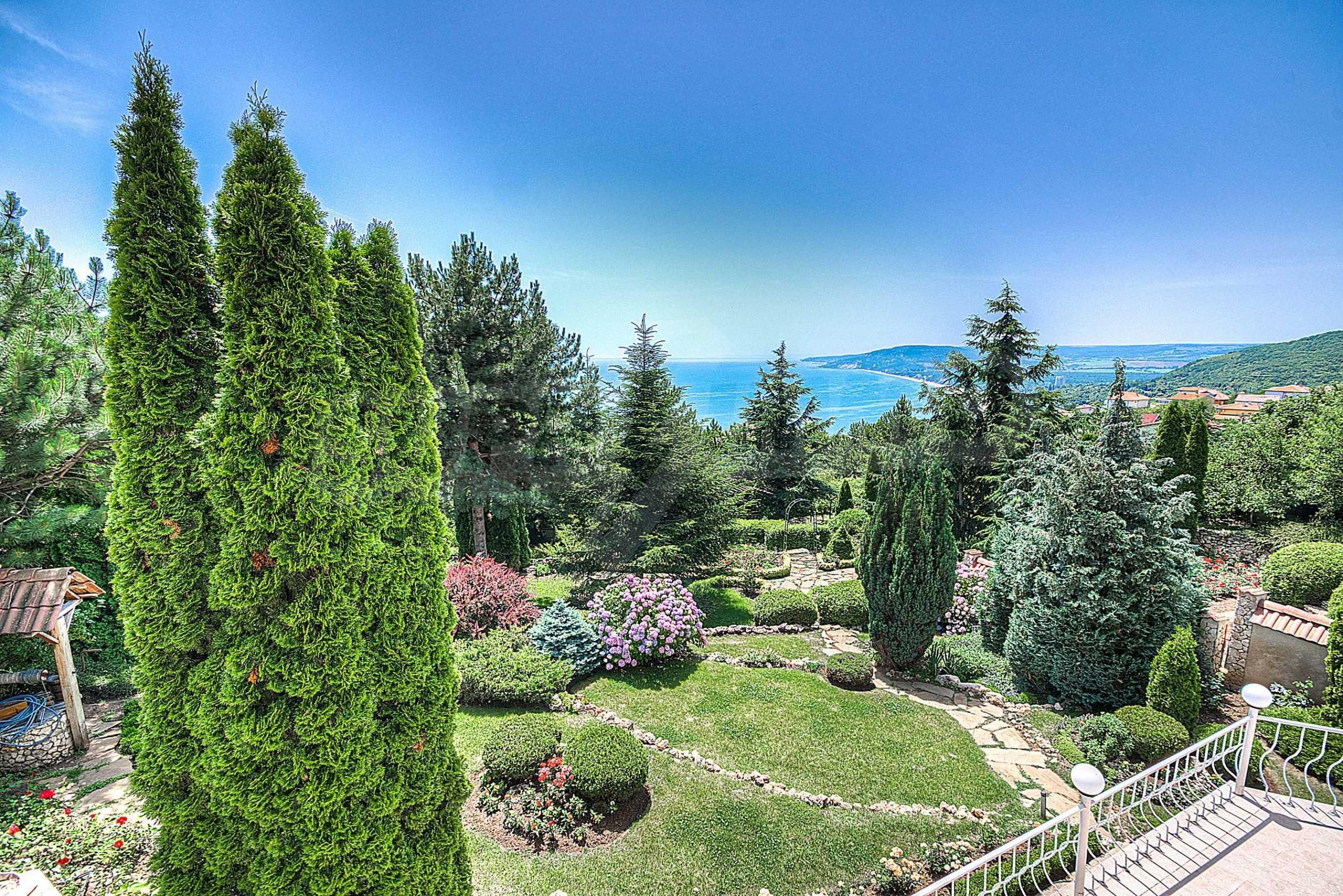 Роскошный дом с садом возле курорта Балчик