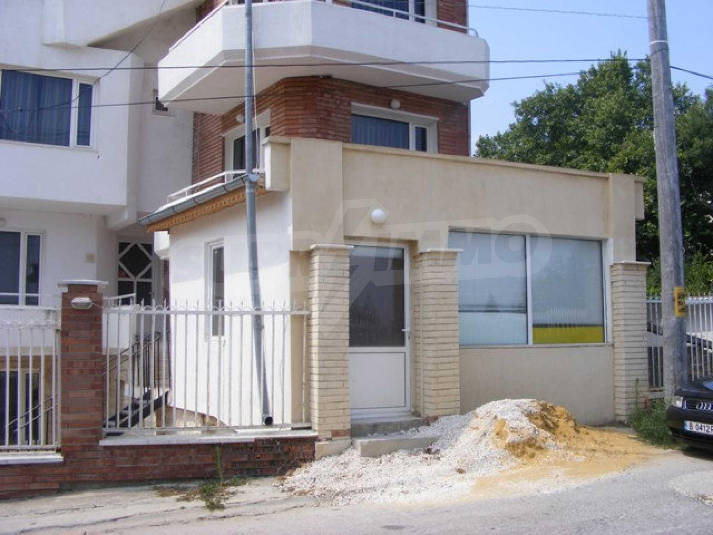Многоэтажный дом в местности Ален Мак, г. Варна 2