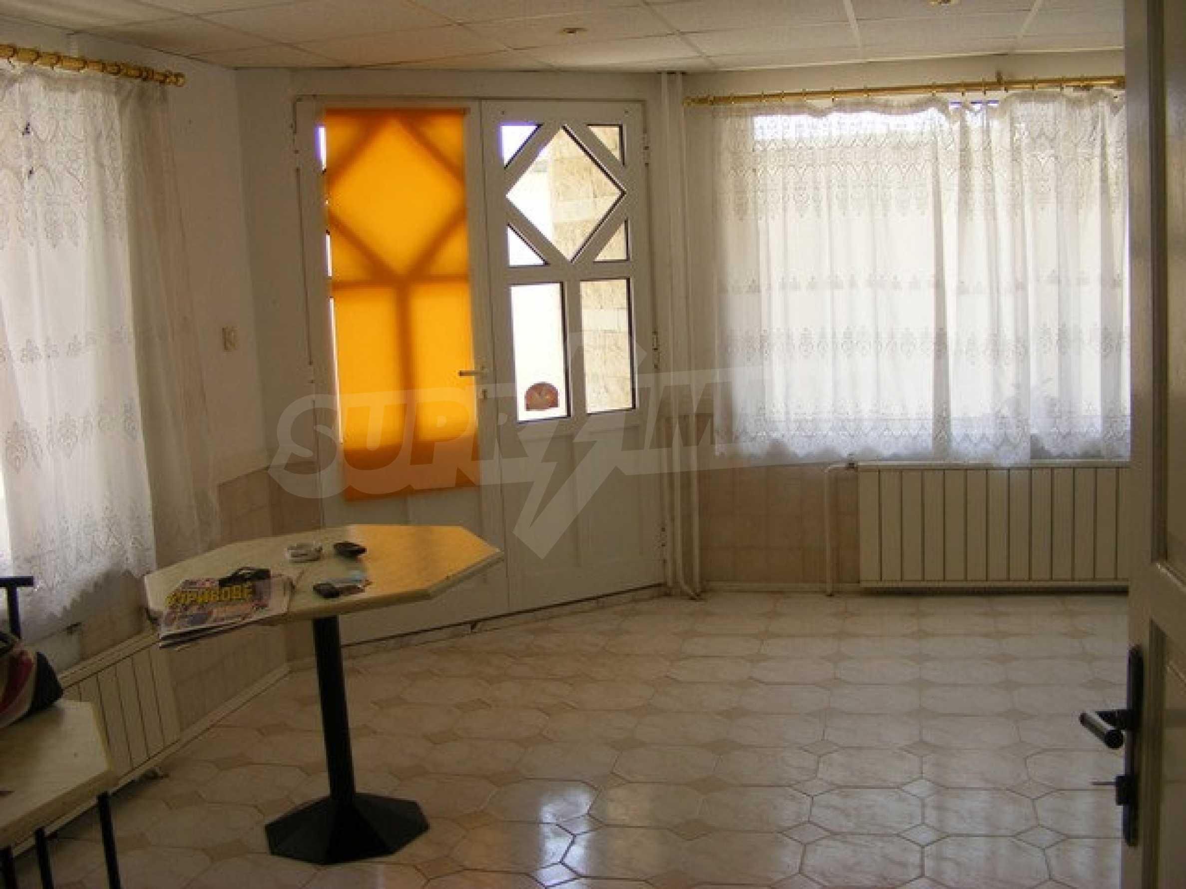 Многоэтажный дом в местности Ален Мак, г. Варна 28