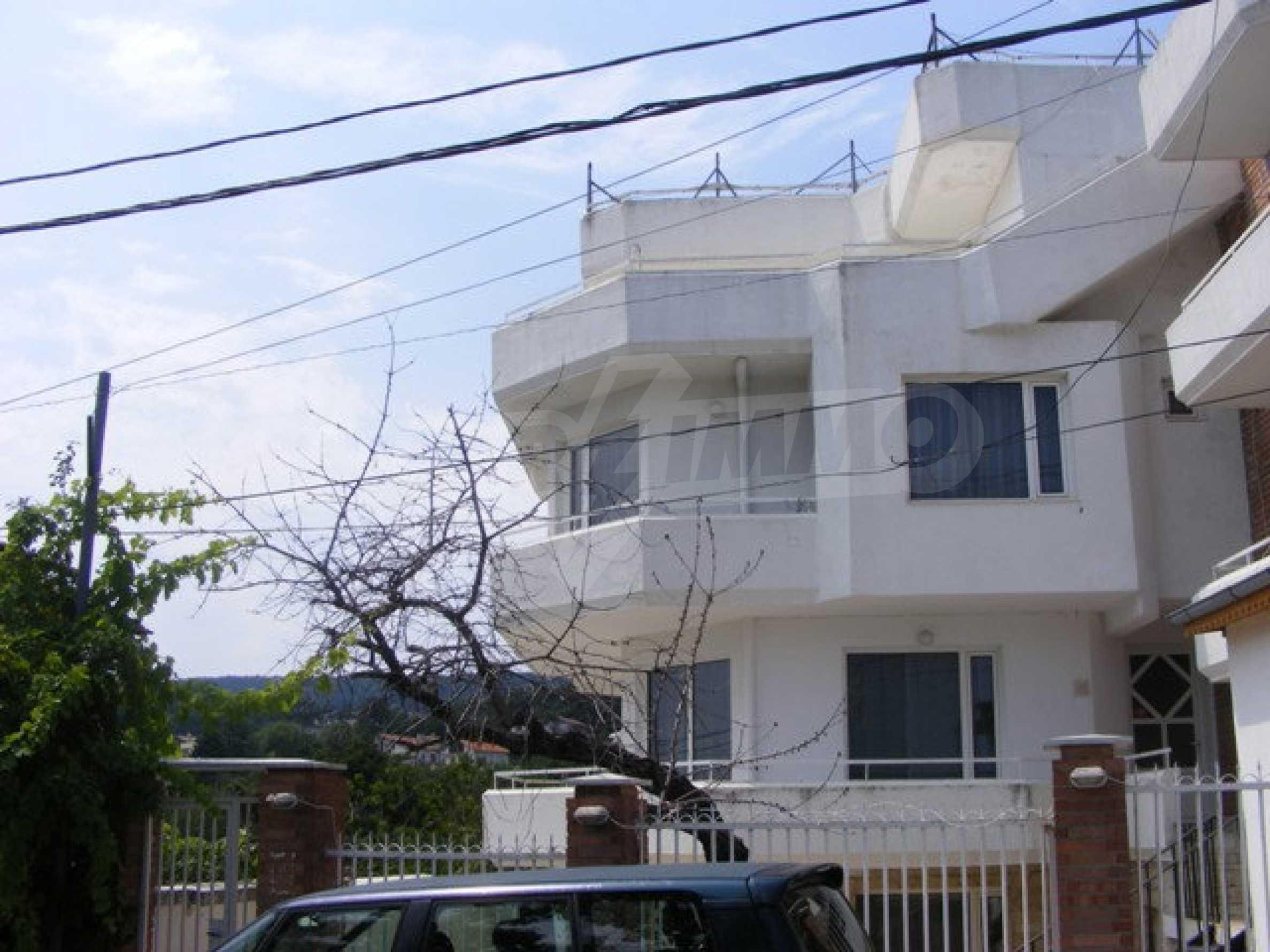 Многоэтажный дом в местности Ален Мак, г. Варна 3
