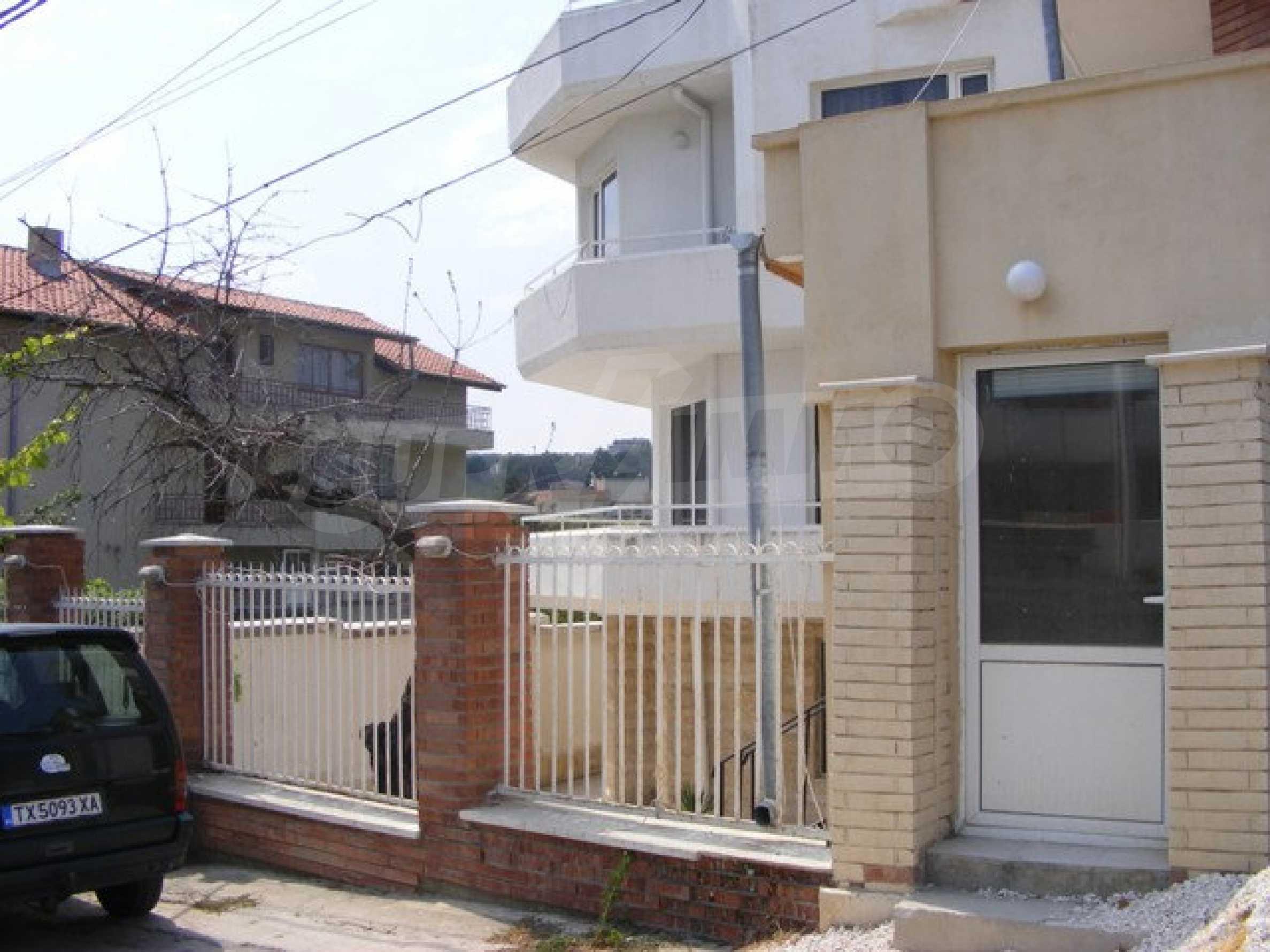 Многоэтажный дом в местности Ален Мак, г. Варна 4