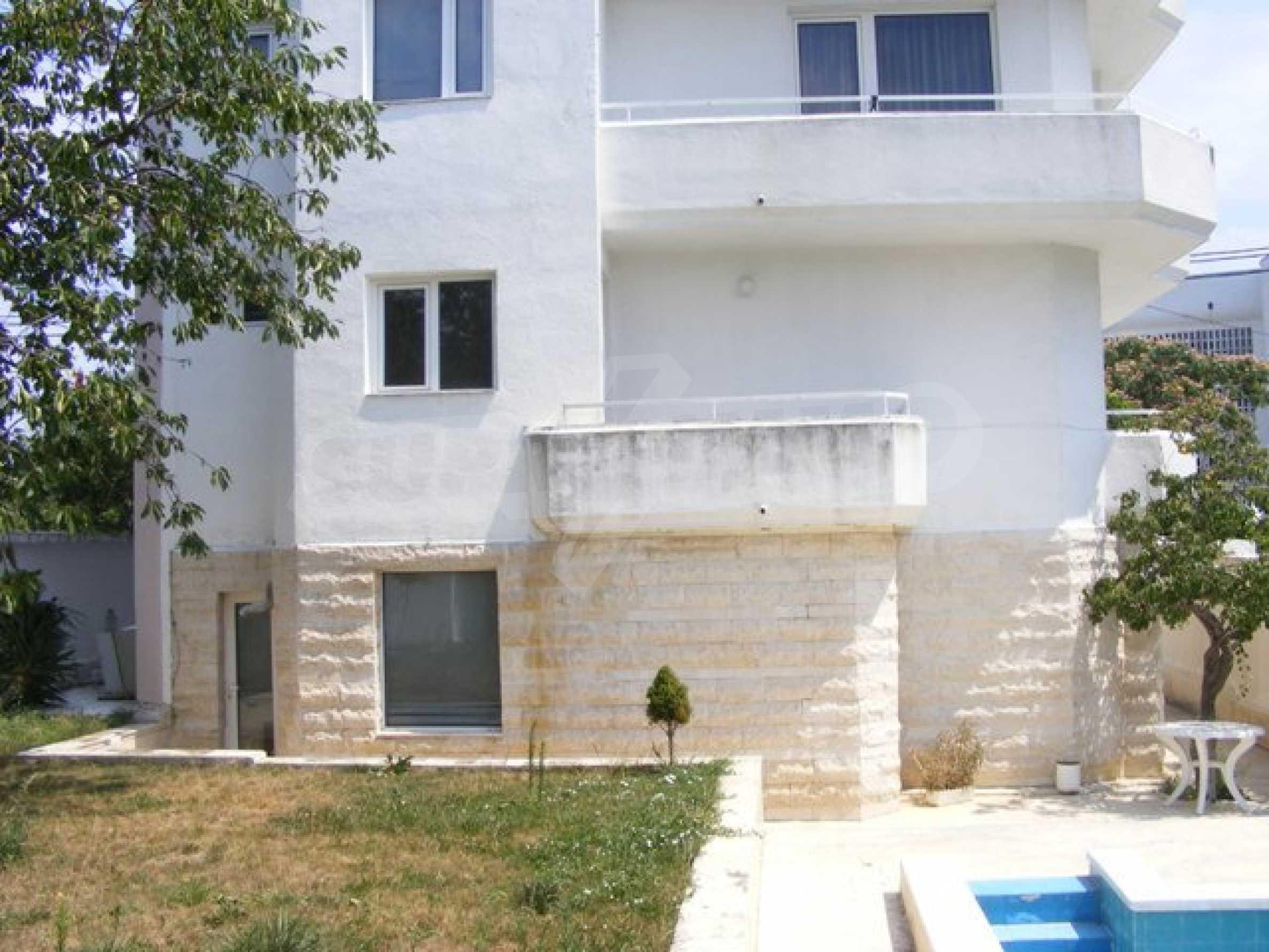 Многоэтажный дом в местности Ален Мак, г. Варна 6