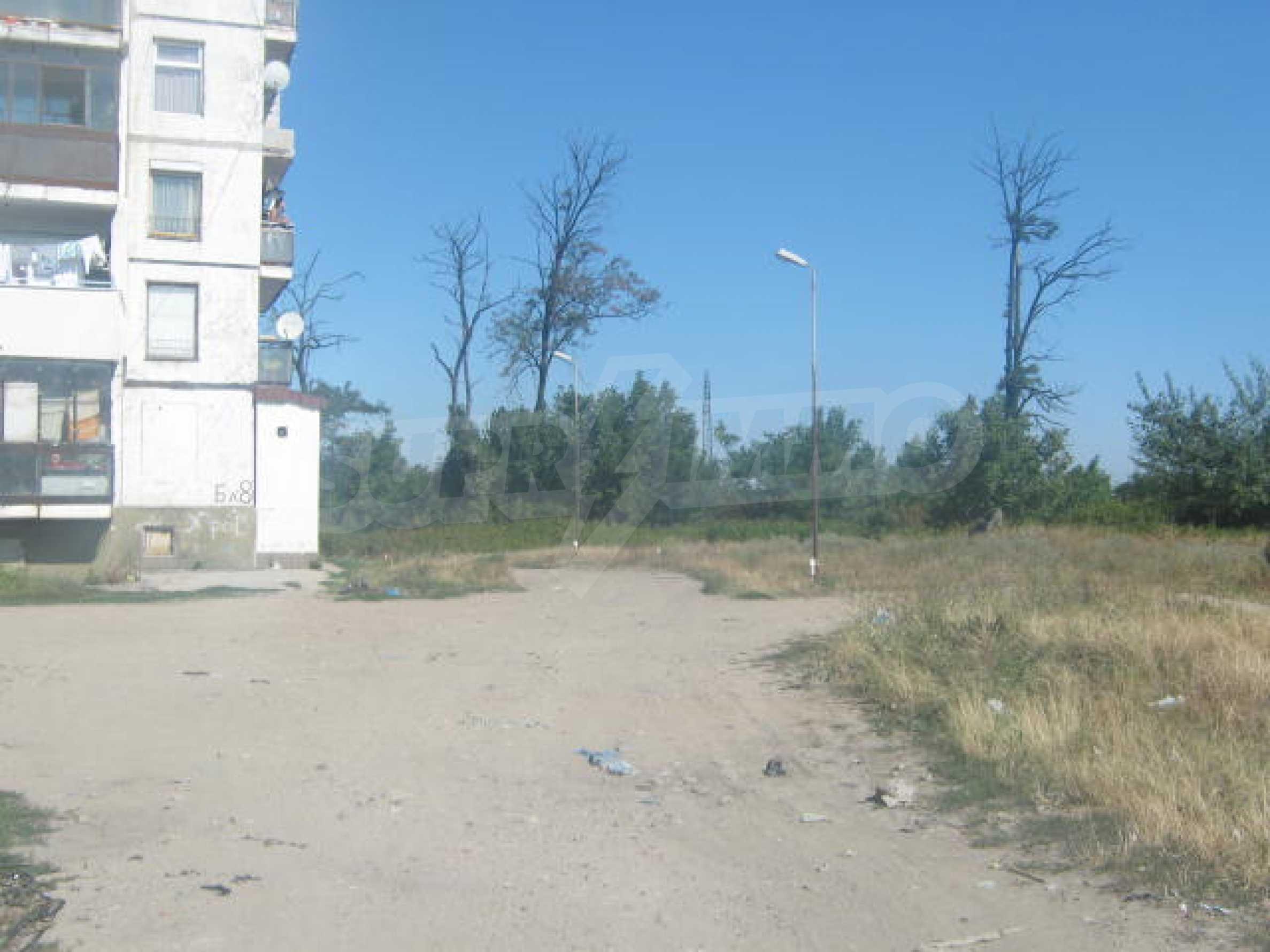 Two plots near the center of Vidin 3