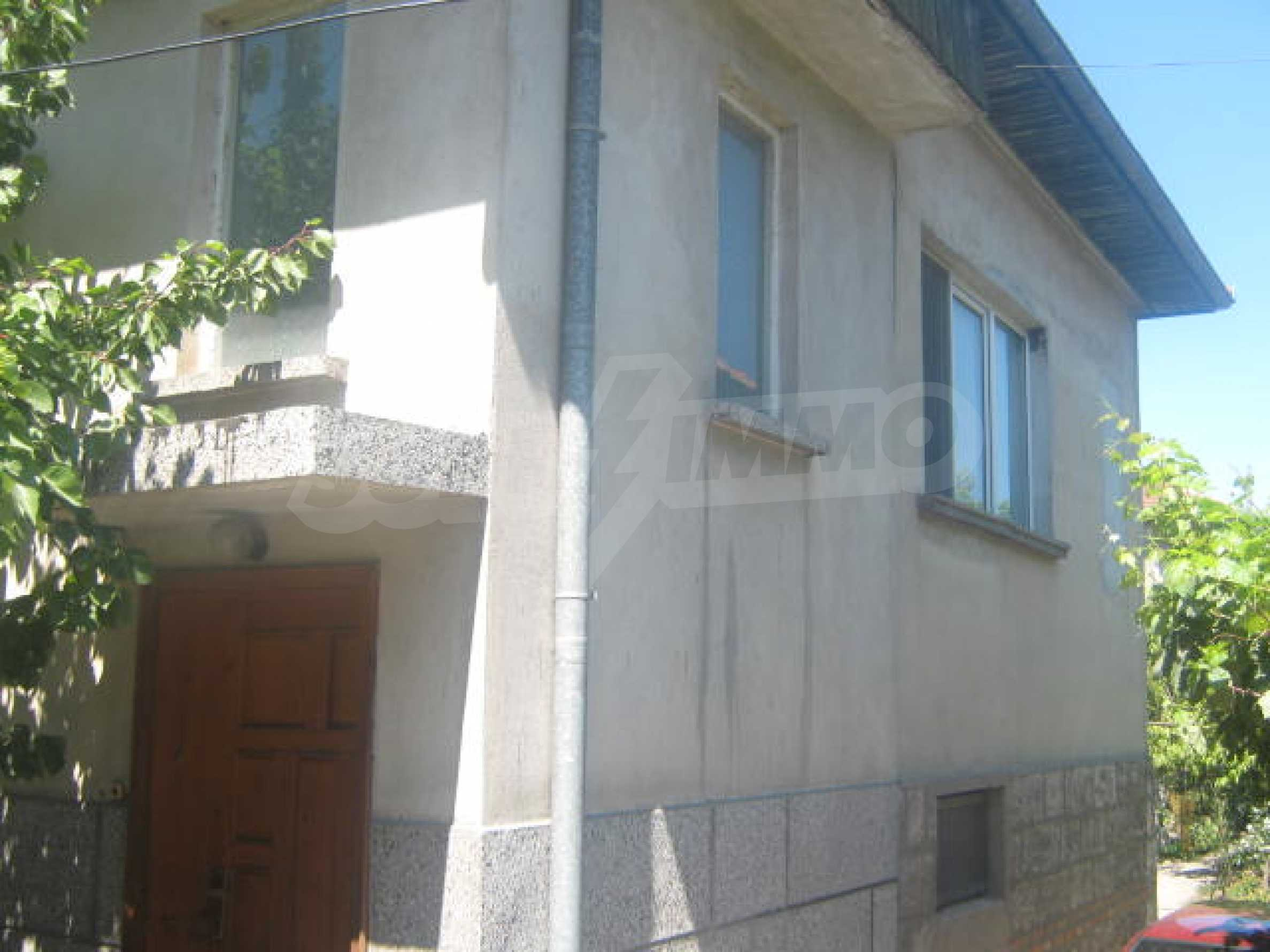 Lovely house near school 2