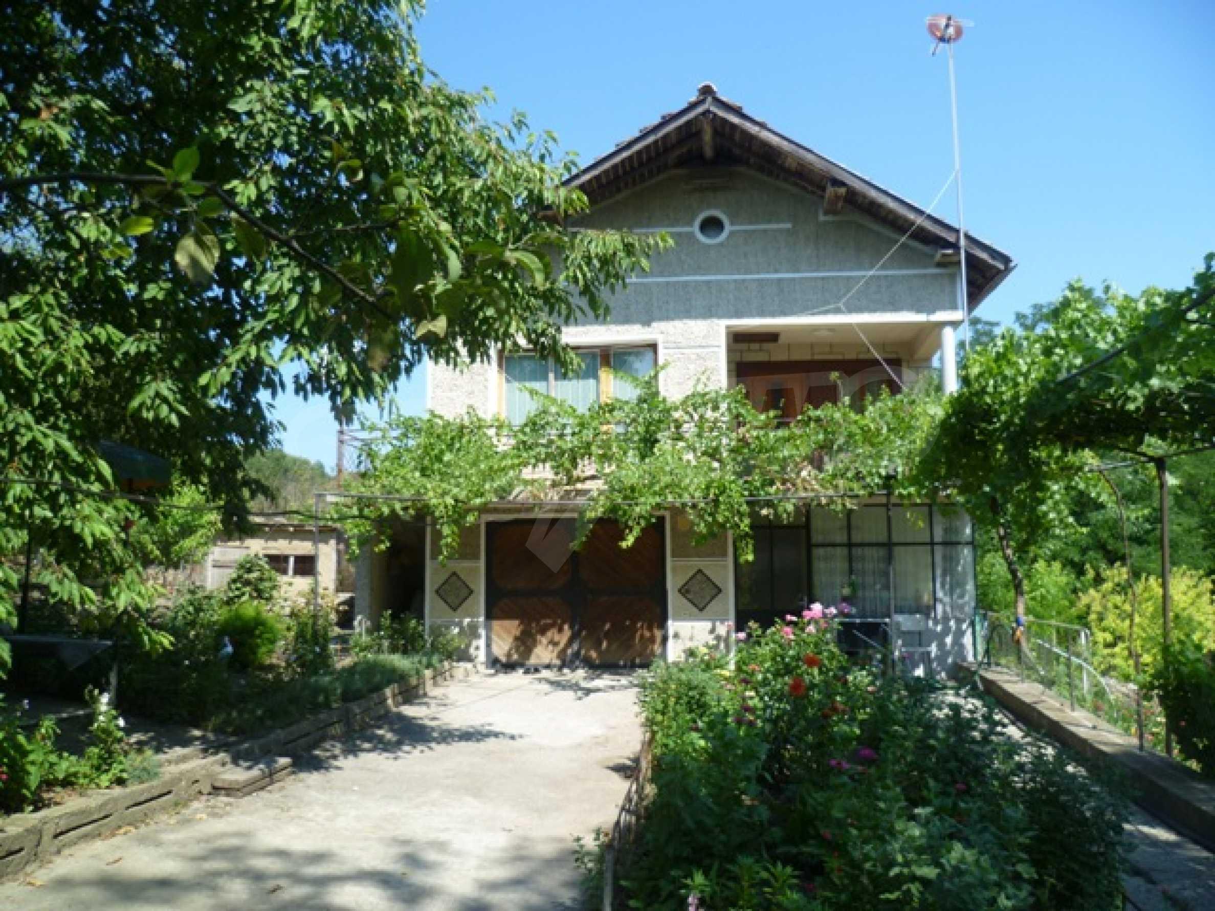 Двухэтажный дом недалеко от г. Добрич 18