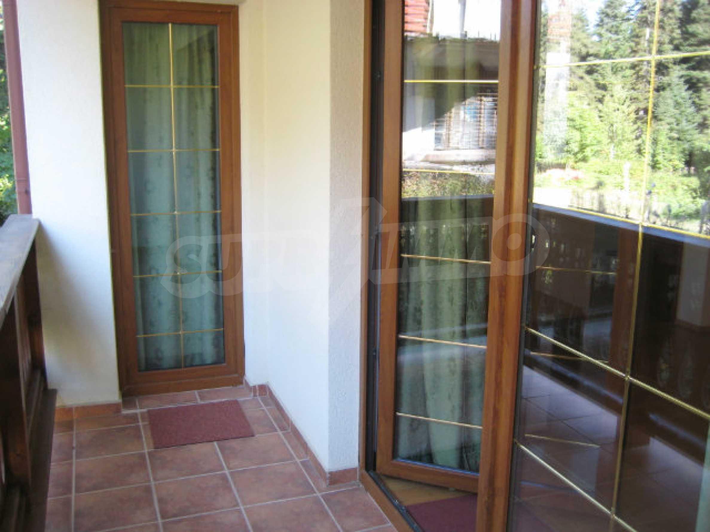 Апартаменти в алпийски стил само на 400 м от лифта в Боровец 10