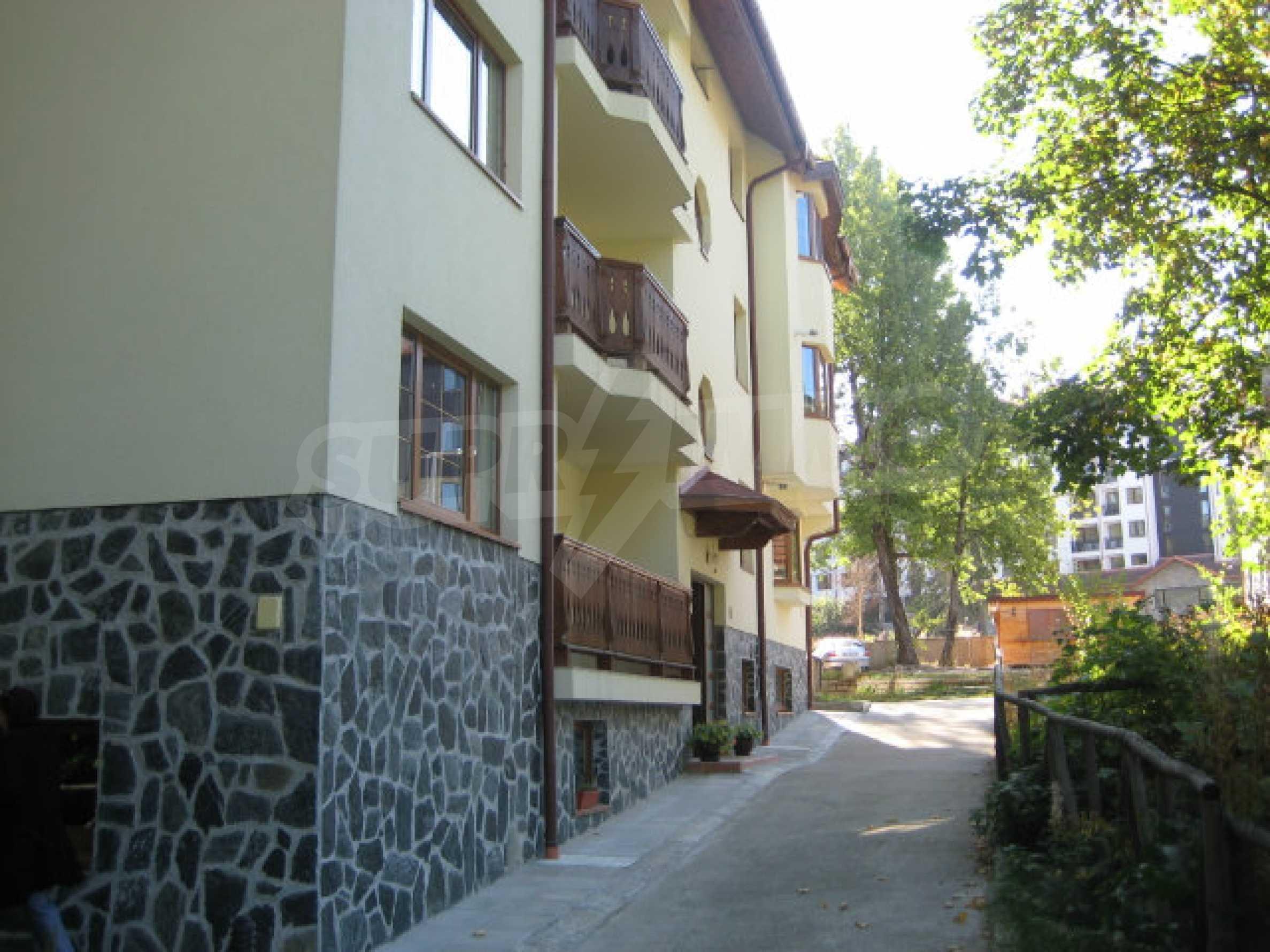 Апартаменти в алпийски стил само на 400 м от лифта в Боровец 28