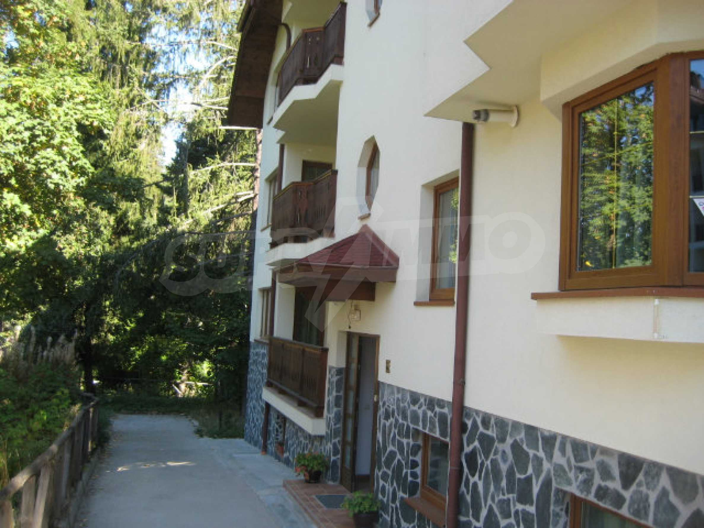 Апартаменти в алпийски стил само на 400 м от лифта в Боровец 2