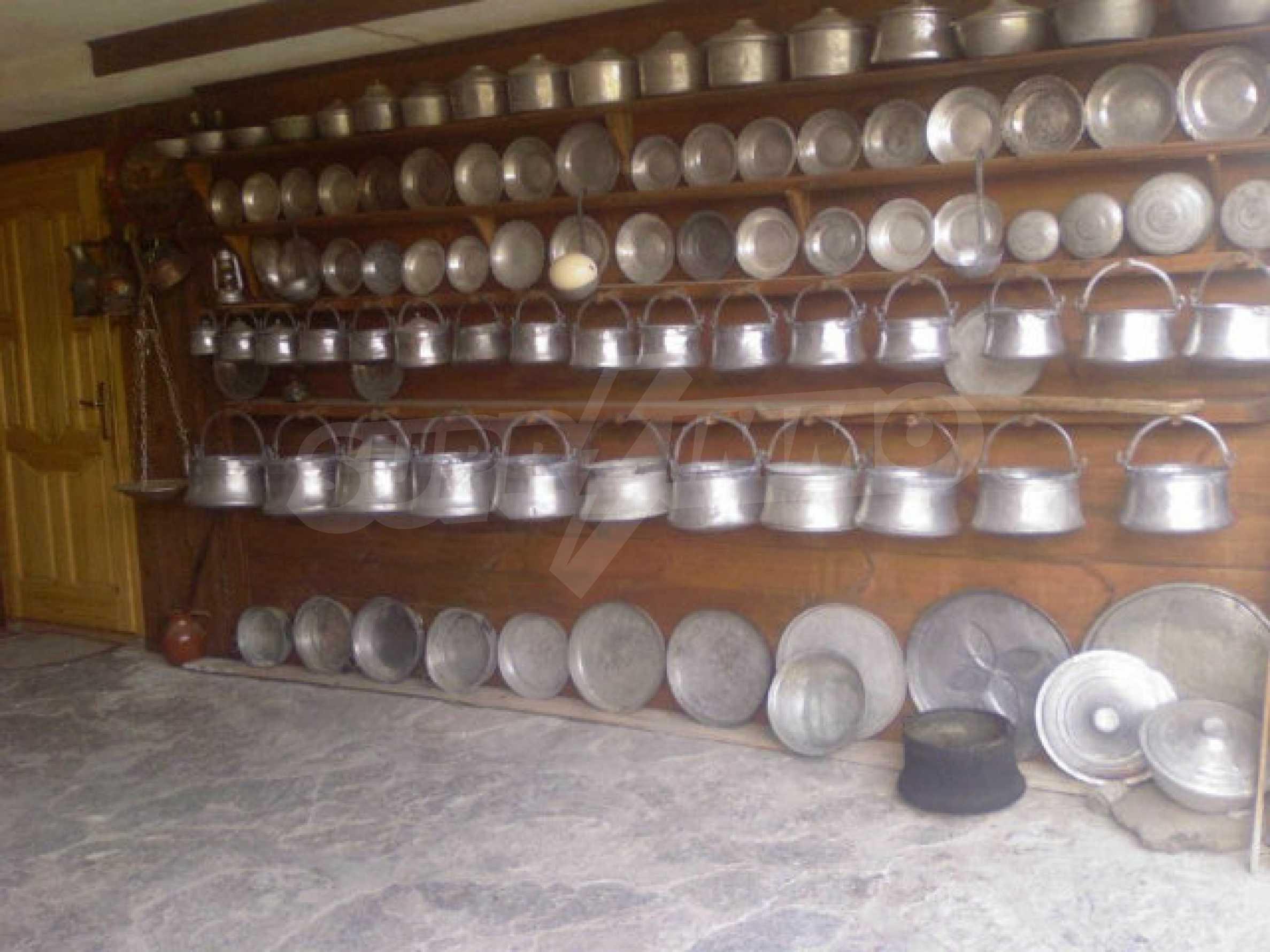 Урегулиран парцел в град-музей Копривщица 12
