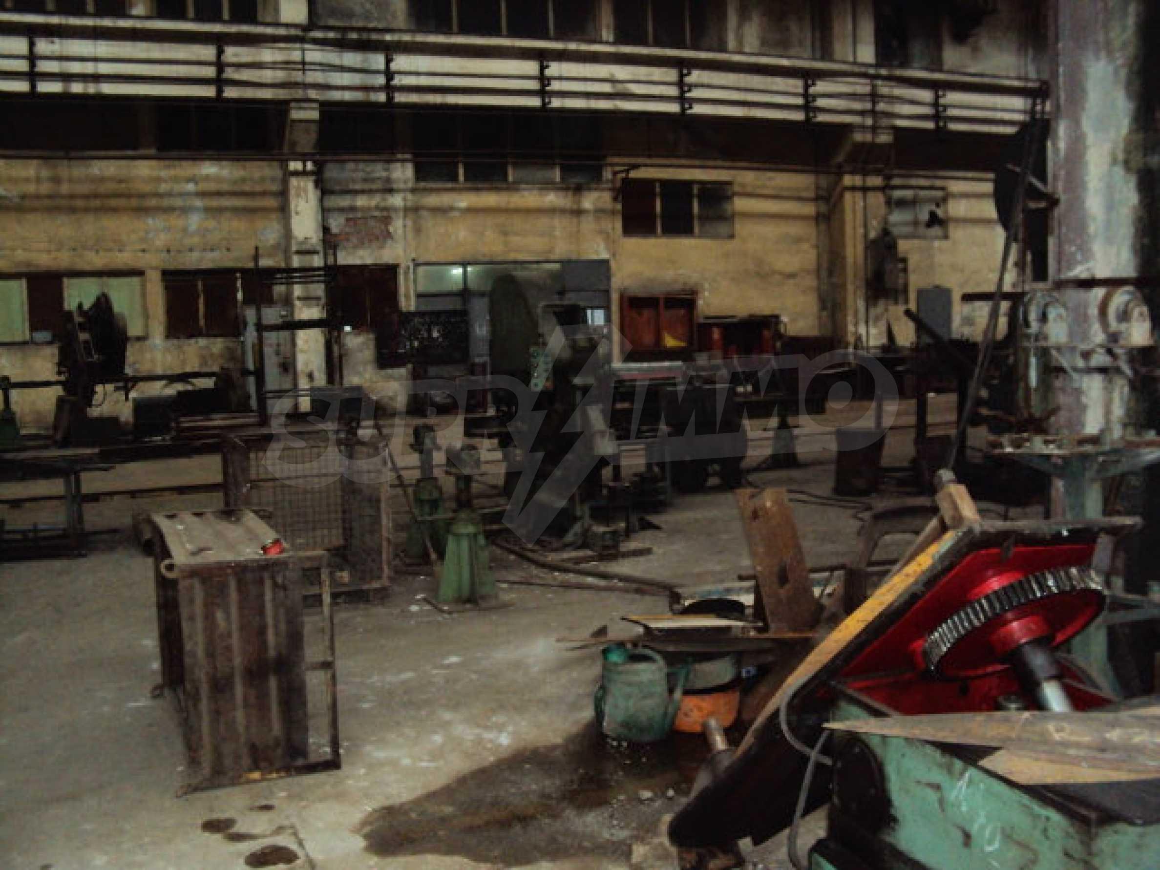 Factory for metal parts in Veliko Tarnovo 32
