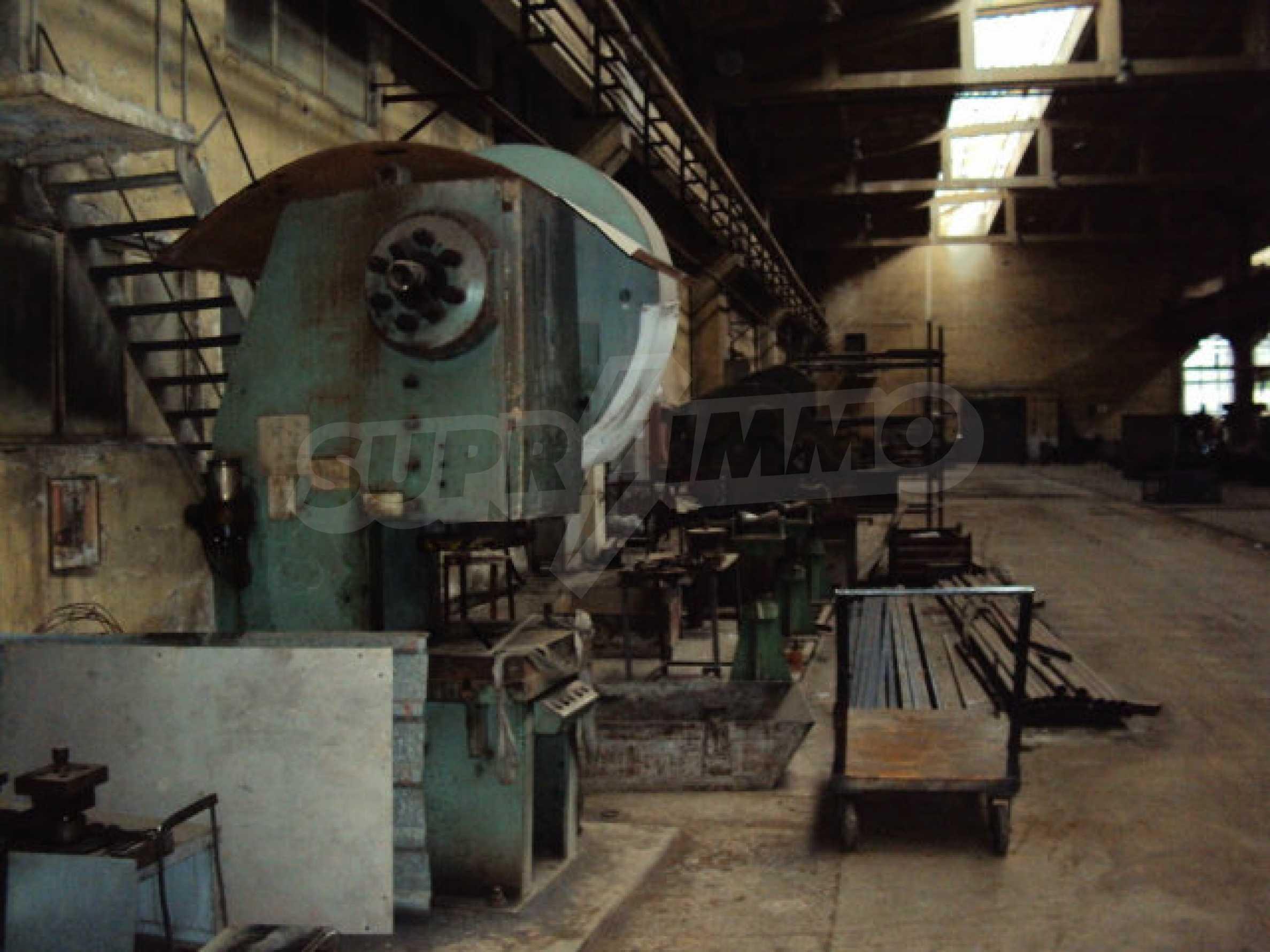 Factory for metal parts in Veliko Tarnovo 36