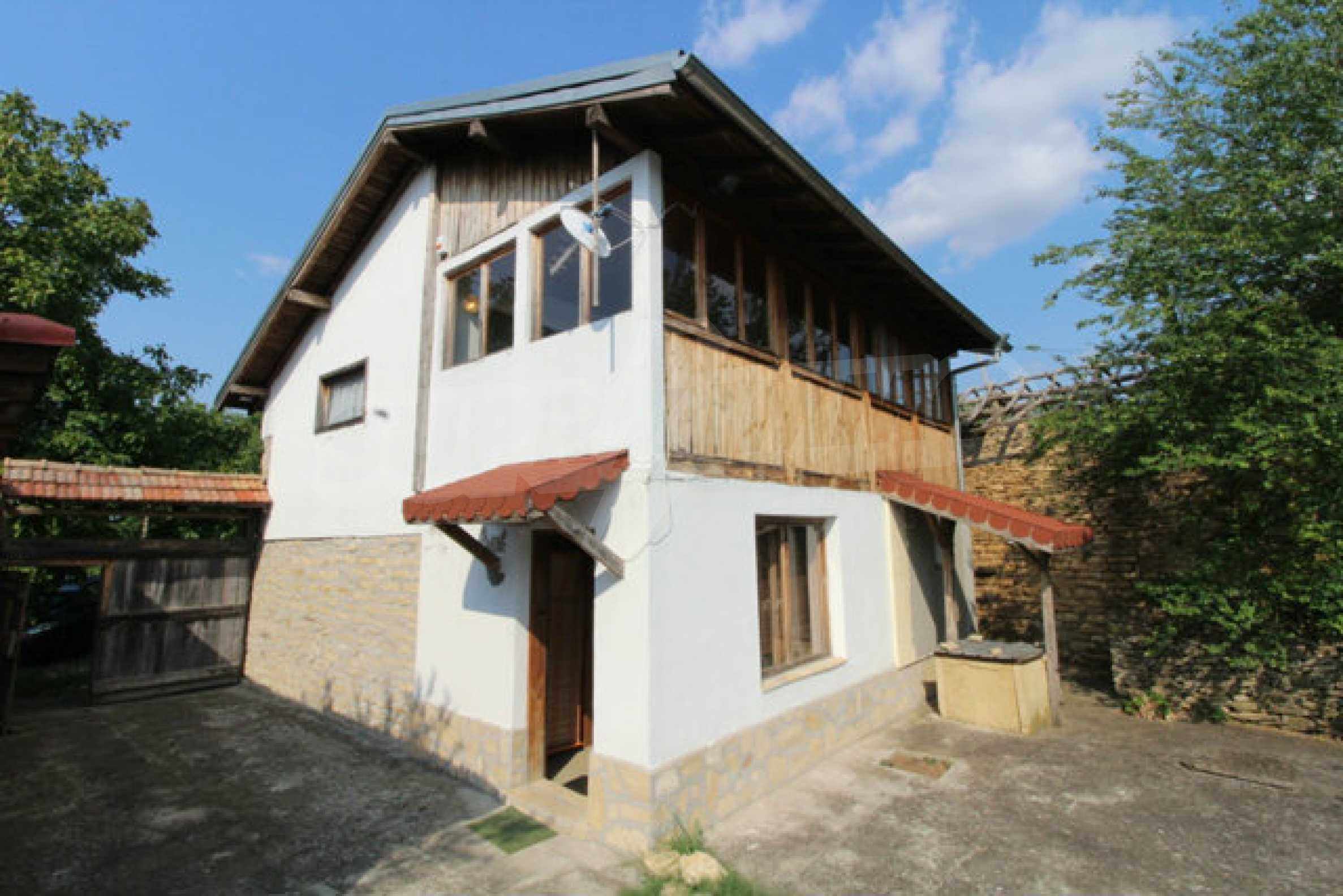 Ново-построенный дом в традиционном болгарском стиле