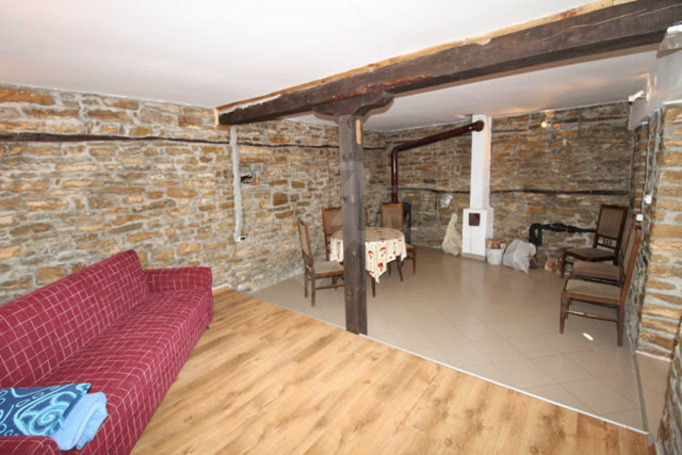 Ново-построенный дом в традиционном болгарском стиле 20