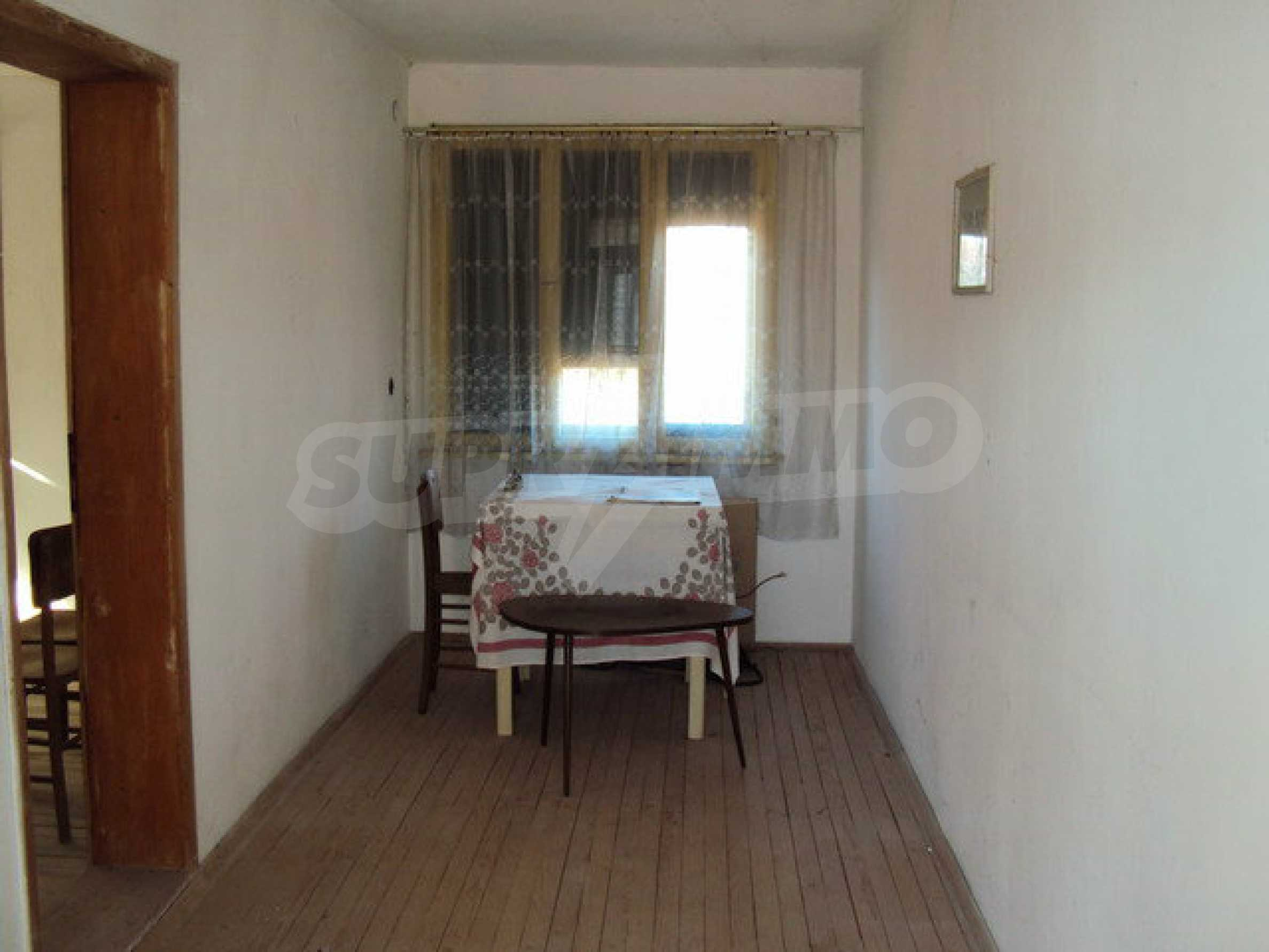 Spacious house in excellent condition in a village 25 km. the old capital of Veliko Tarnovo 9