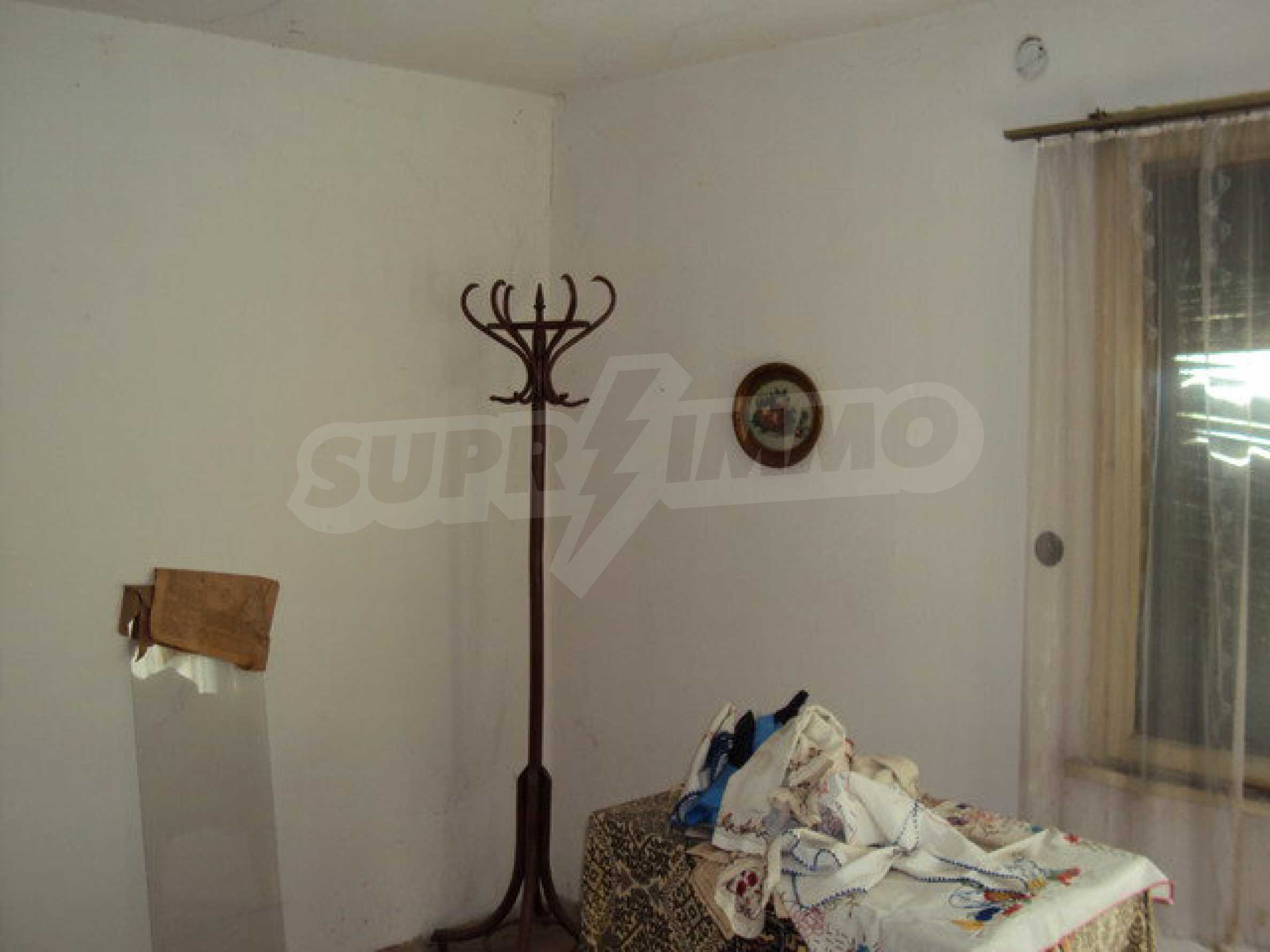 Spacious house in excellent condition in a village 25 km. the old capital of Veliko Tarnovo 16