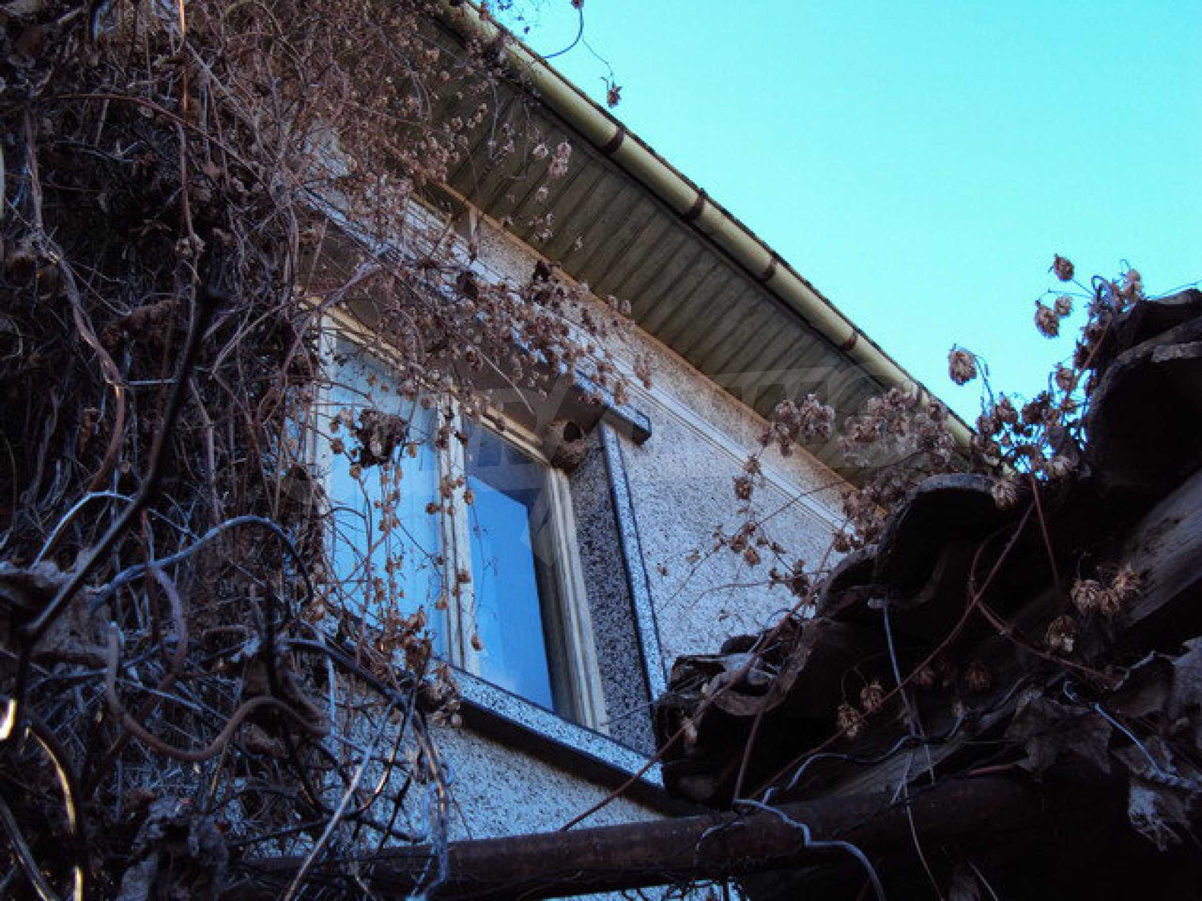 Spacious house in excellent condition in a village 25 km. the old capital of Veliko Tarnovo 19
