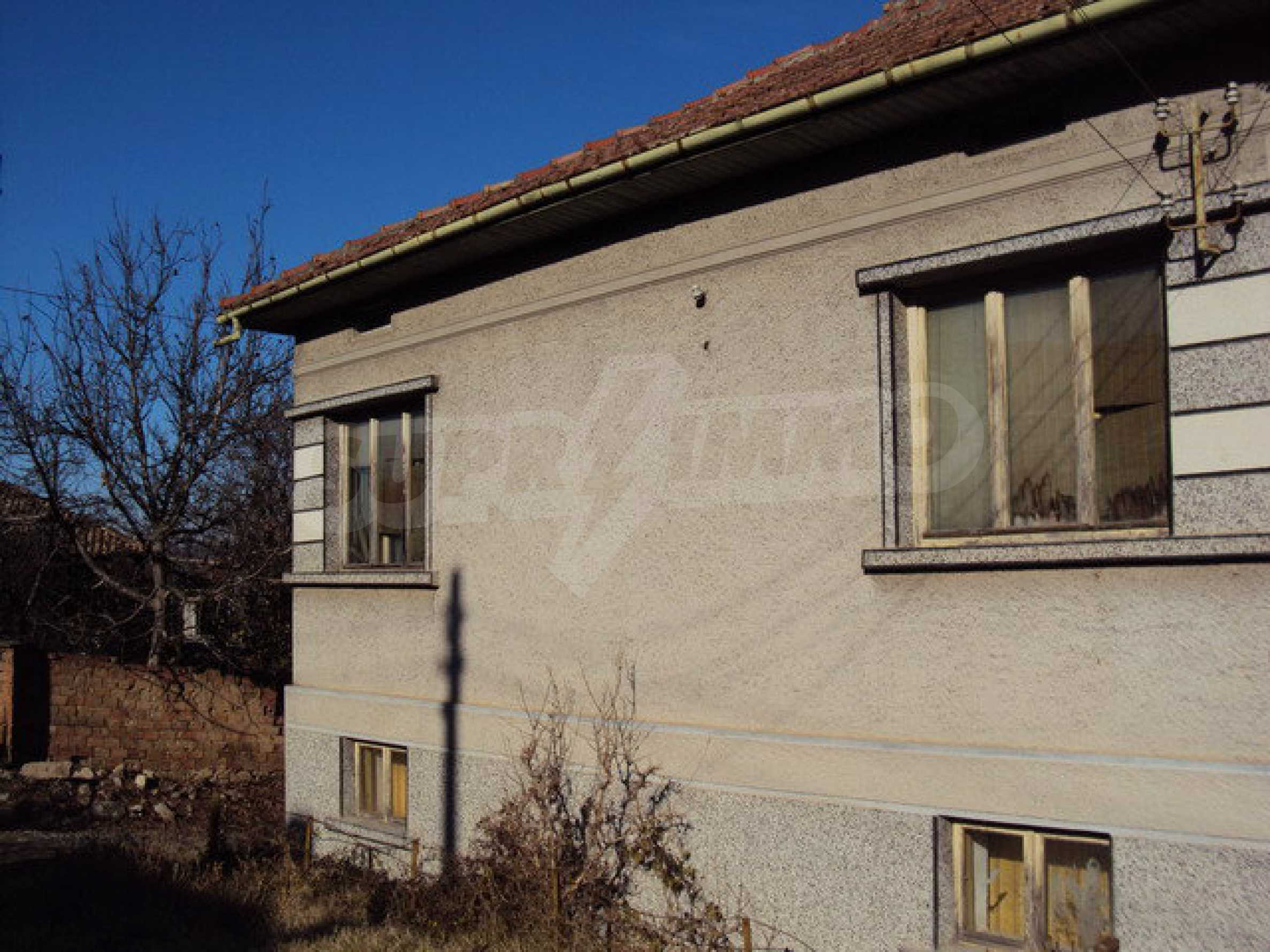Spacious house in excellent condition in a village 25 km. the old capital of Veliko Tarnovo 3