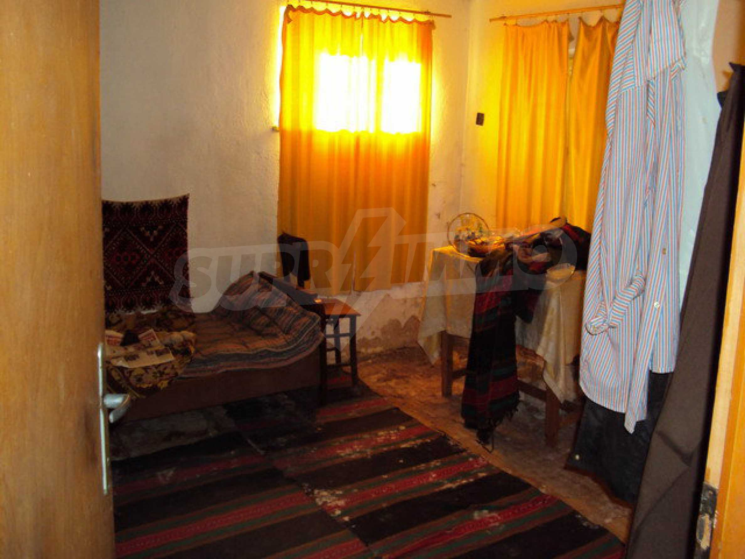 Spacious house in excellent condition in a village 25 km. the old capital of Veliko Tarnovo 5