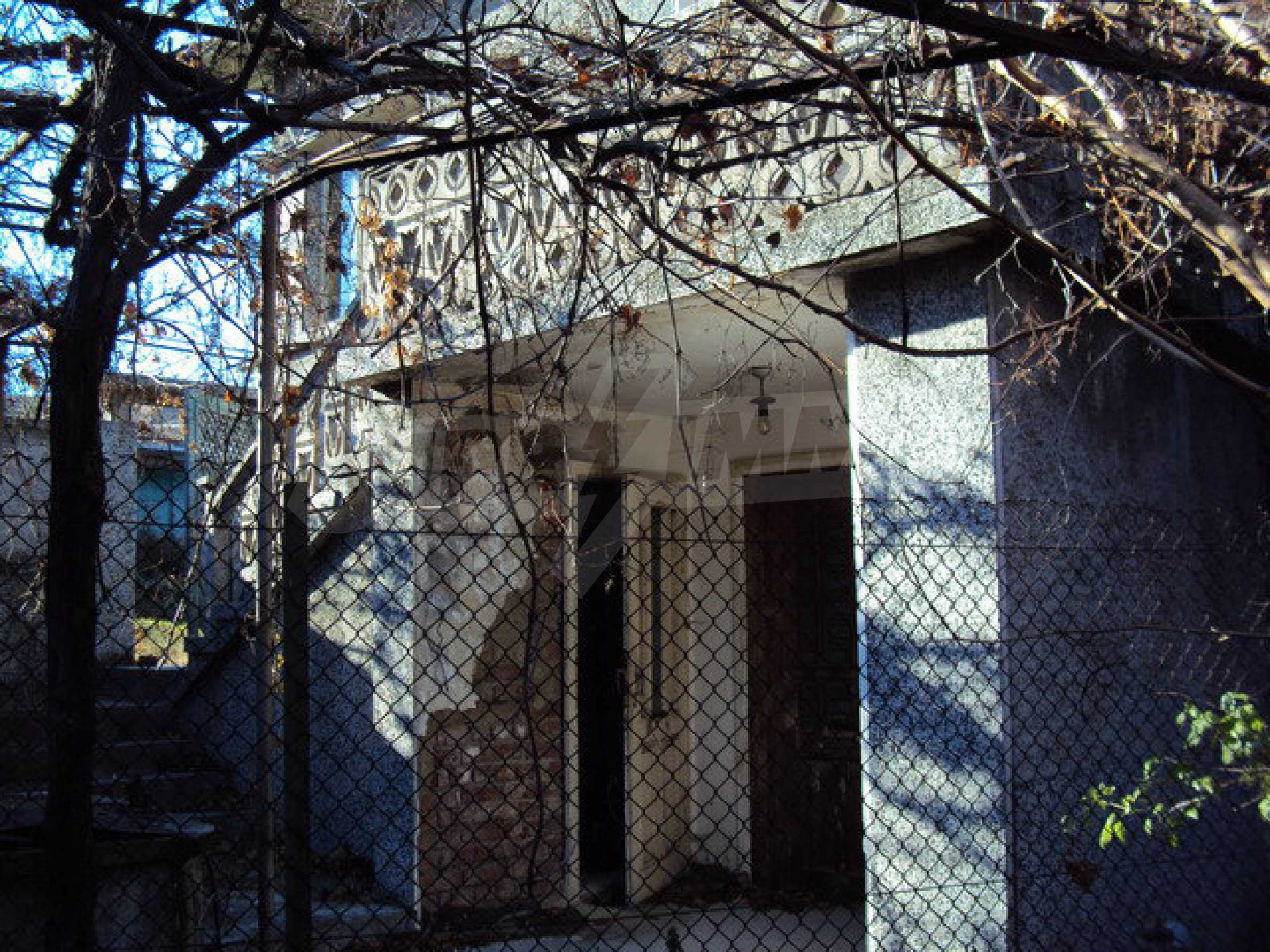 Spacious house in excellent condition in a village 25 km. the old capital of Veliko Tarnovo 6