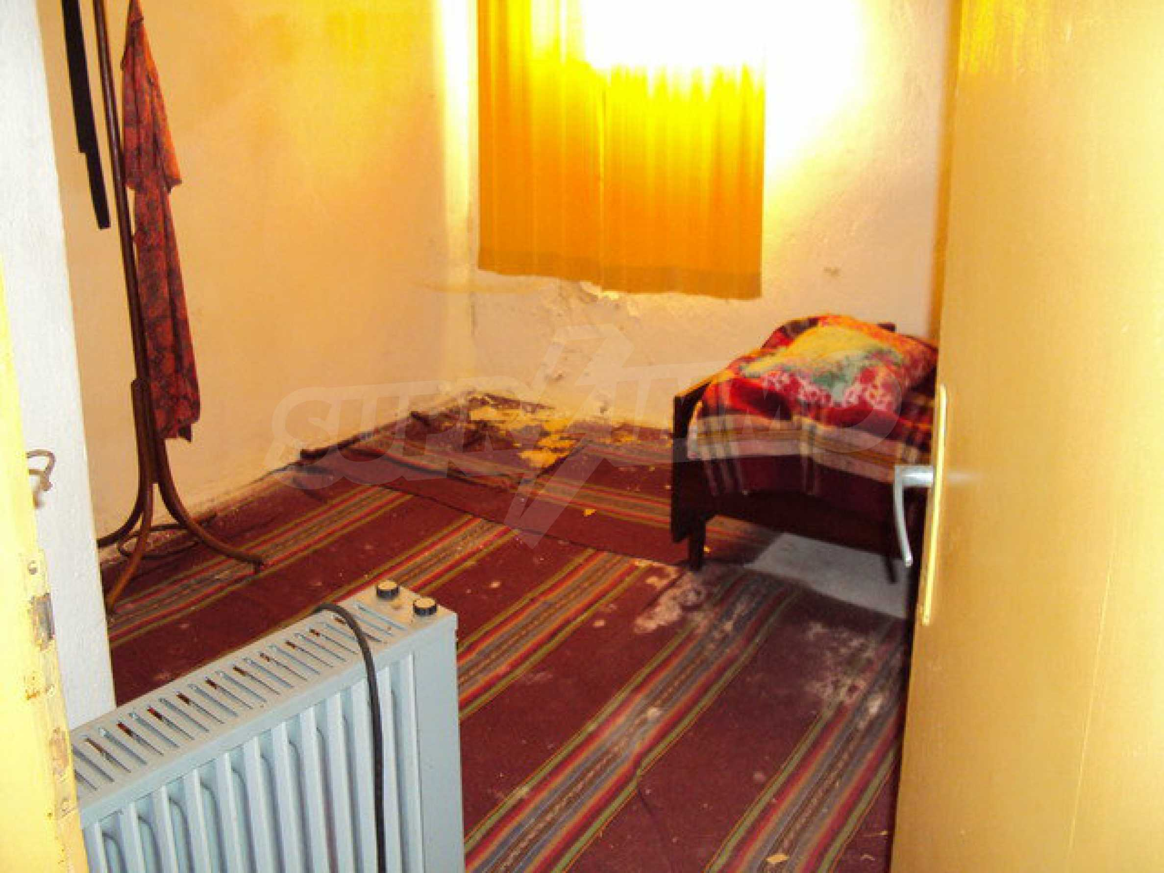 Spacious house in excellent condition in a village 25 km. the old capital of Veliko Tarnovo 8