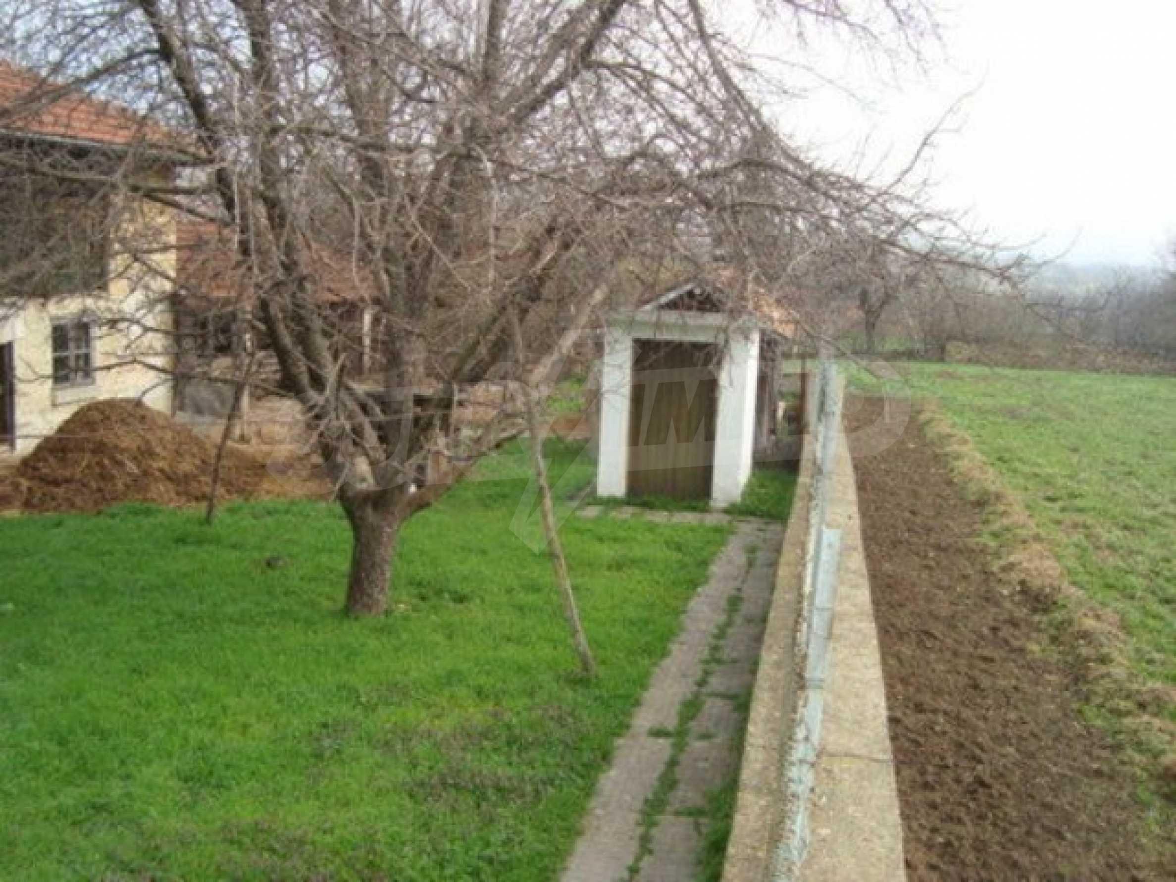 Дом в с. Долна Липница 1