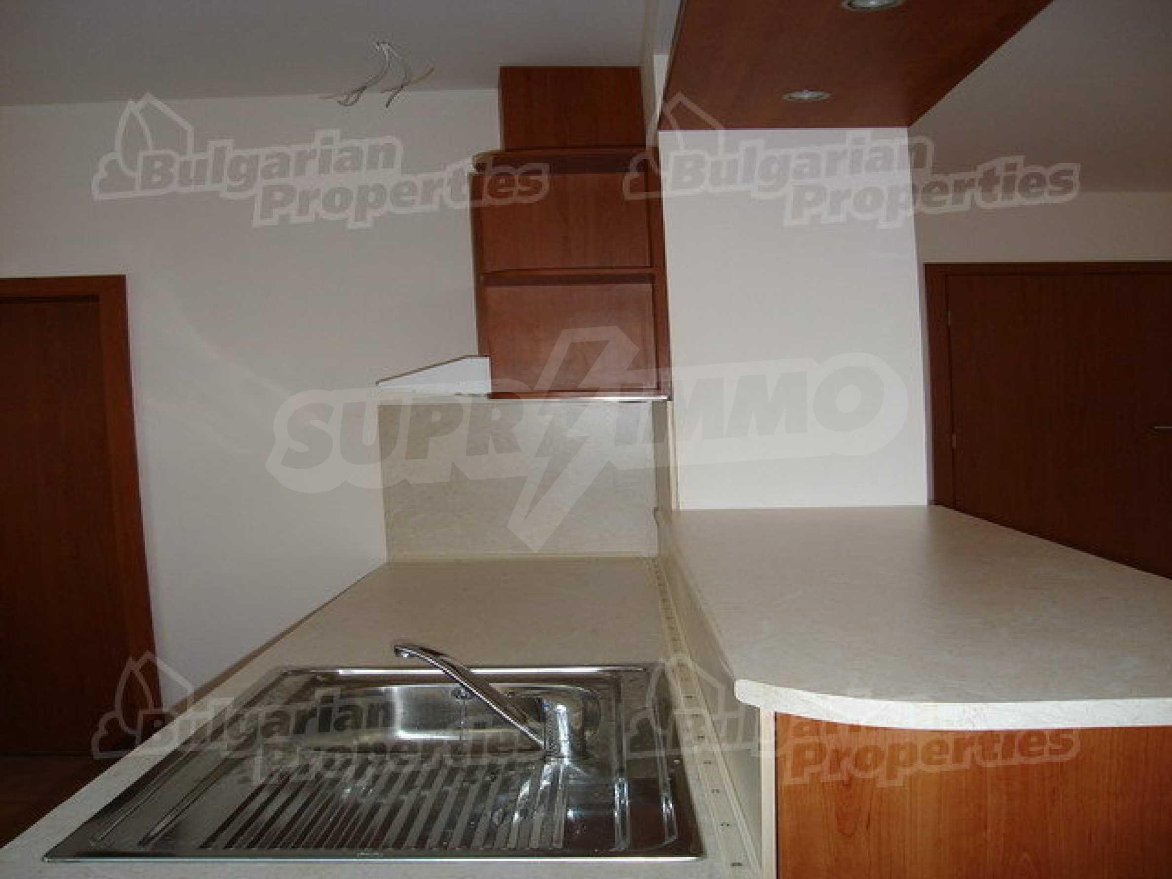 Новый трехэтажный дом в живописном районе Рибарица 10