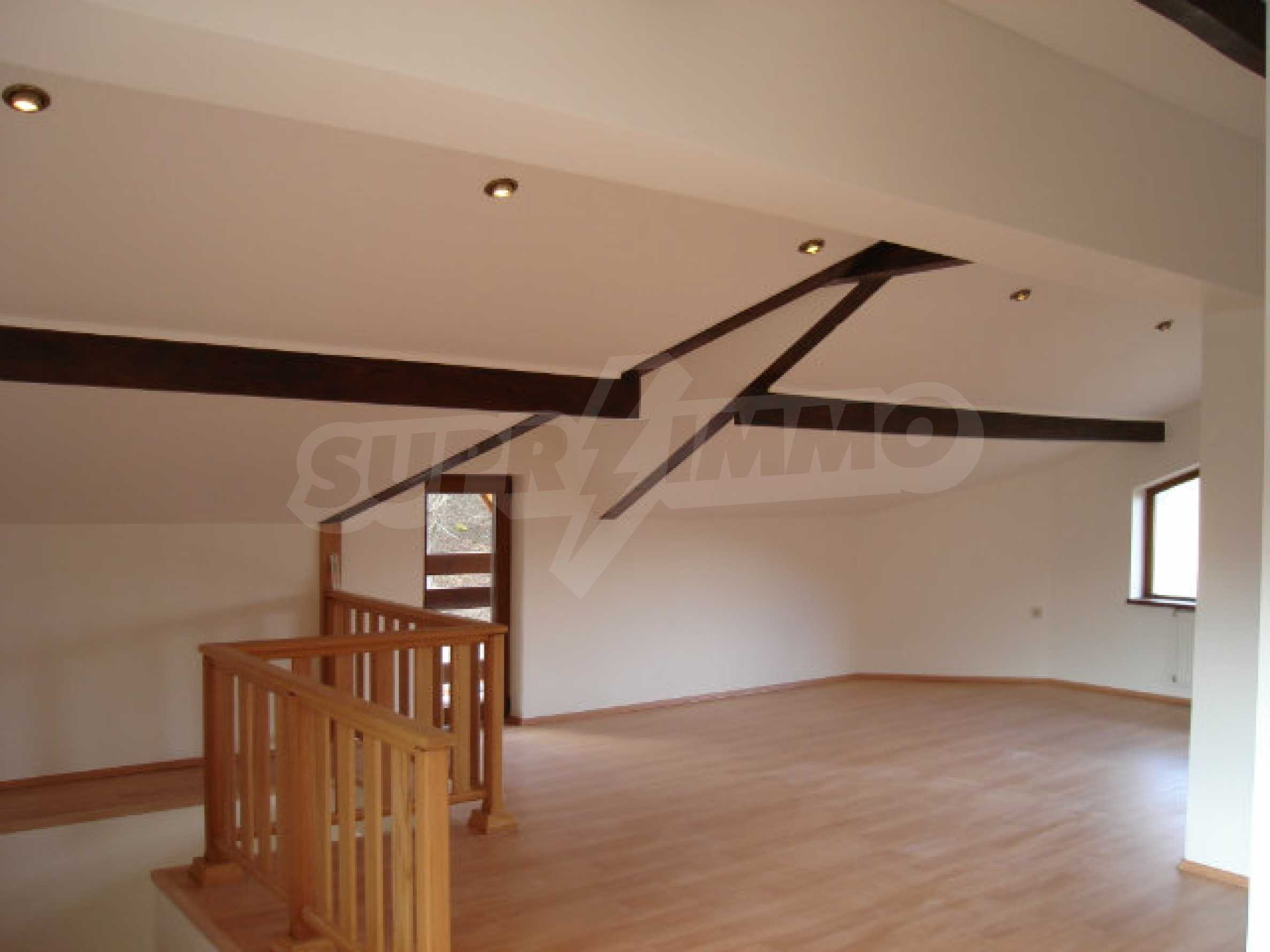 Новый трехэтажный дом в живописном районе Рибарица 17