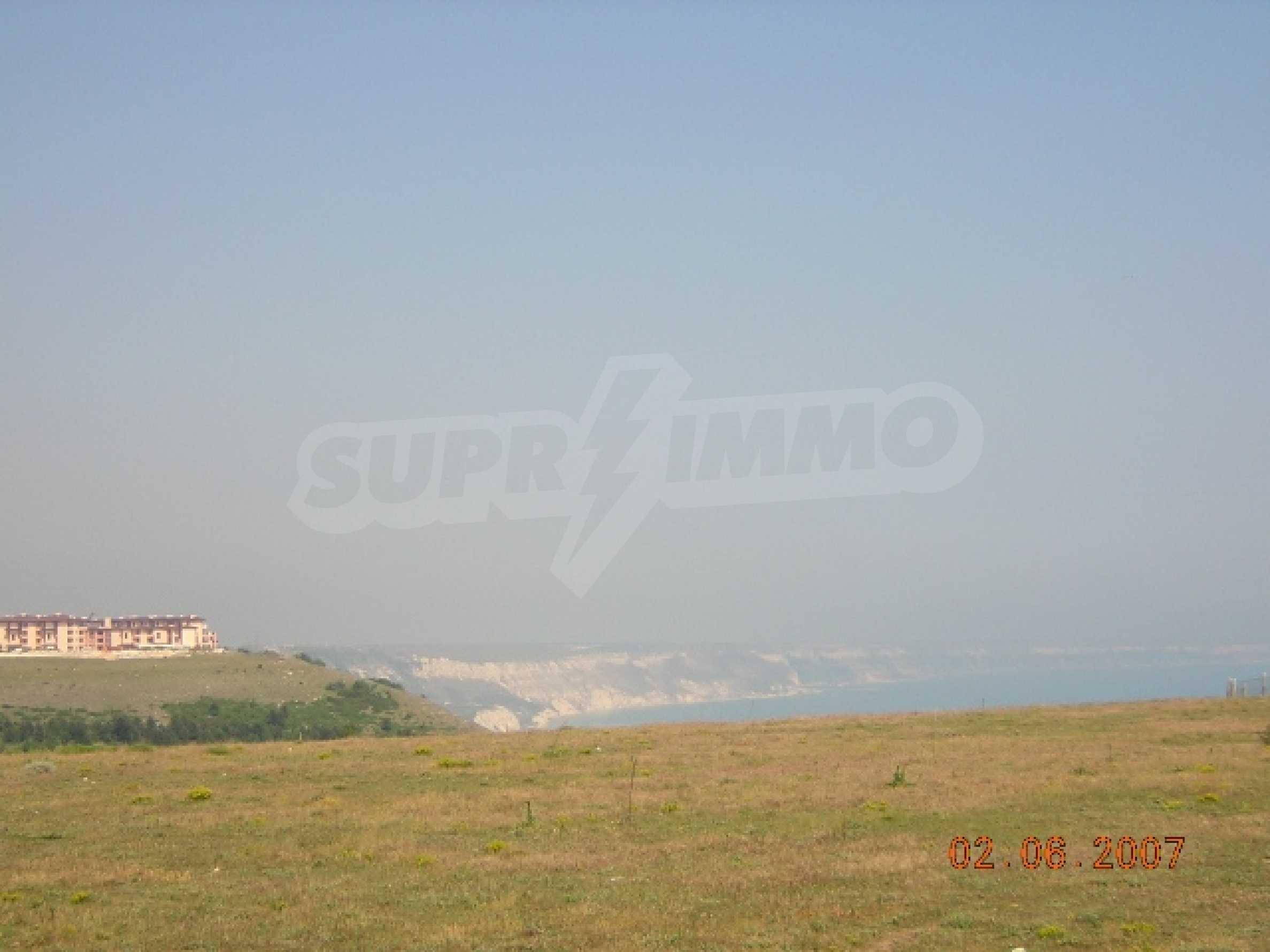 Участок на первой пляжной линии в селе Топола 4
