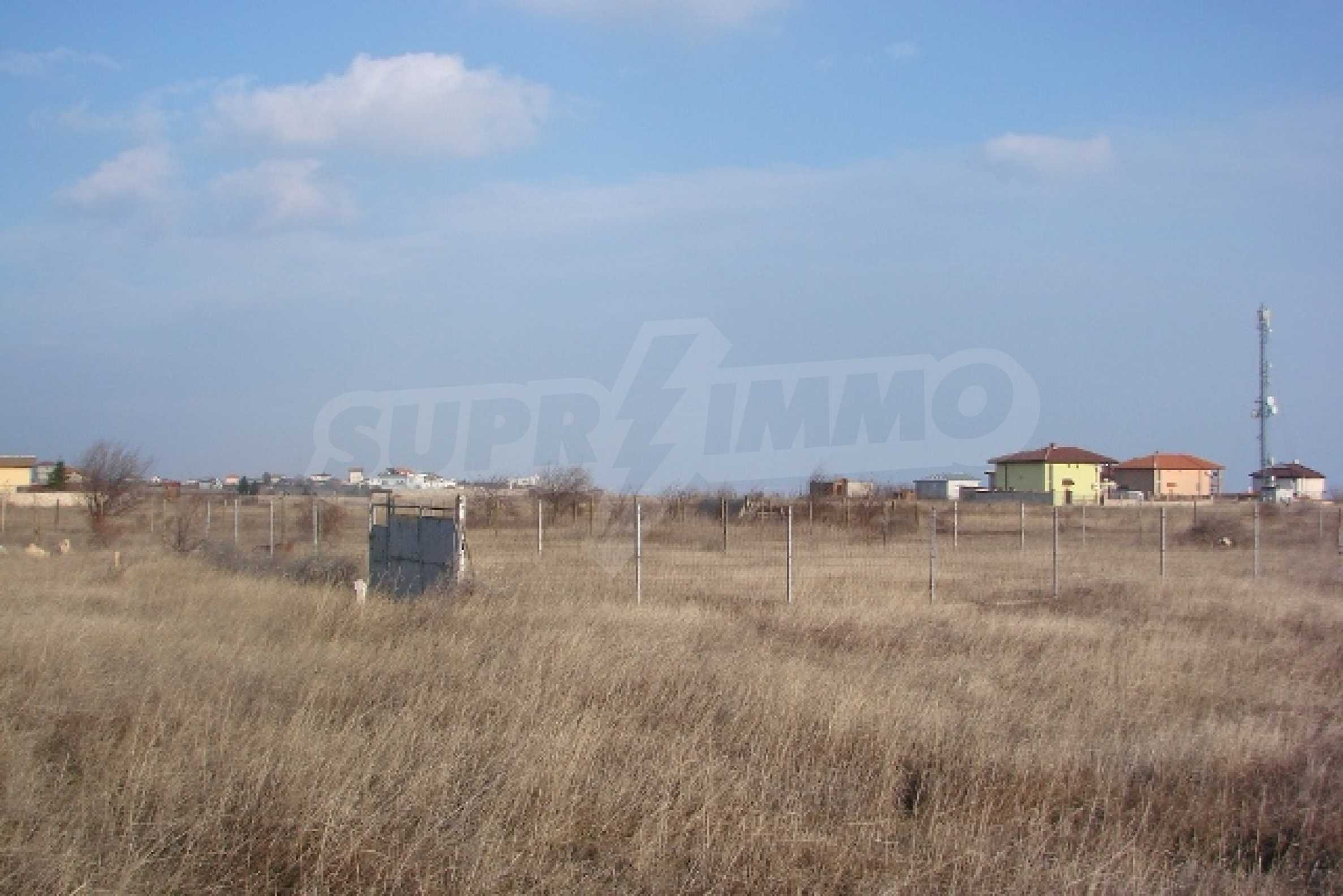 Plot with investment project near golf course  3