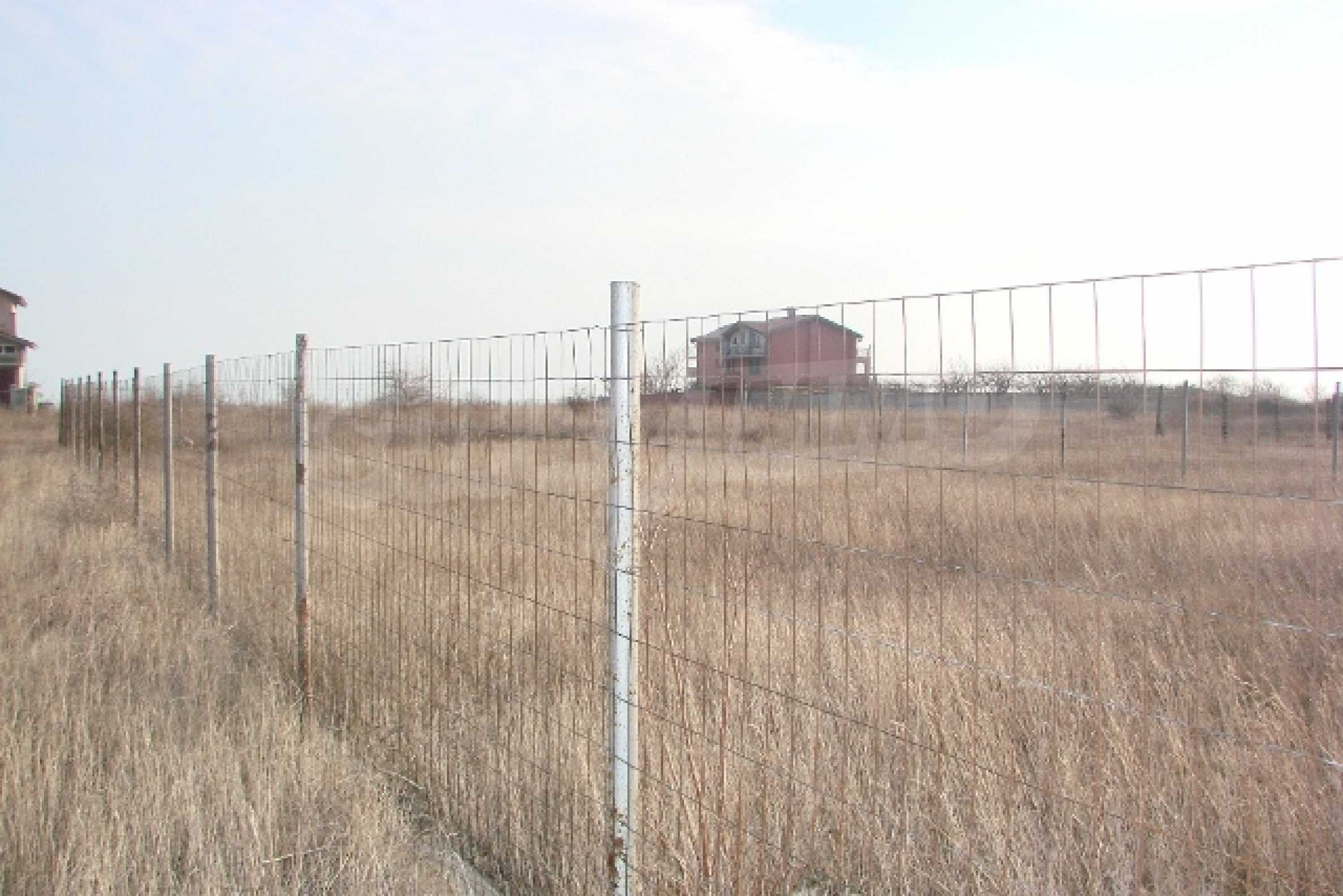 Plot with investment project near golf course  4