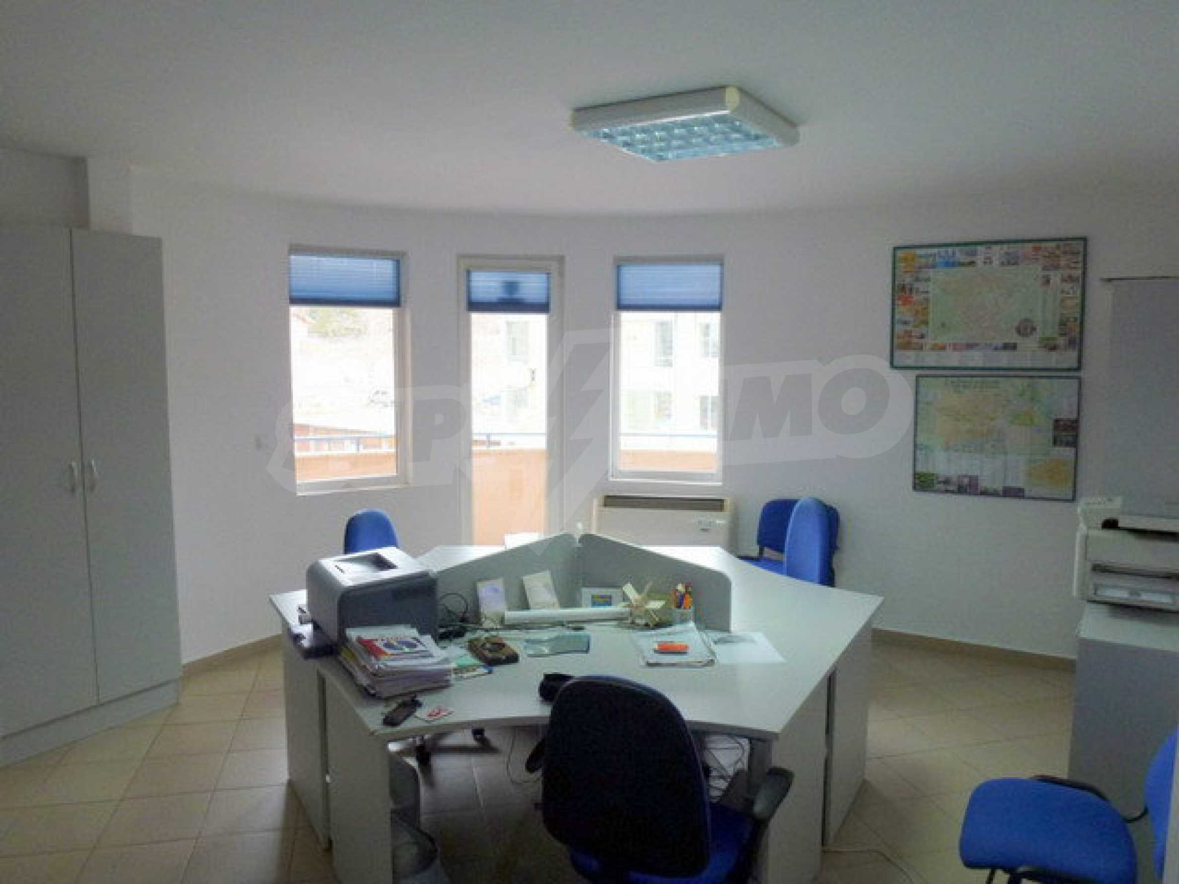 One bedroom apartment used as an office is located in Veliko Tarnovo 4