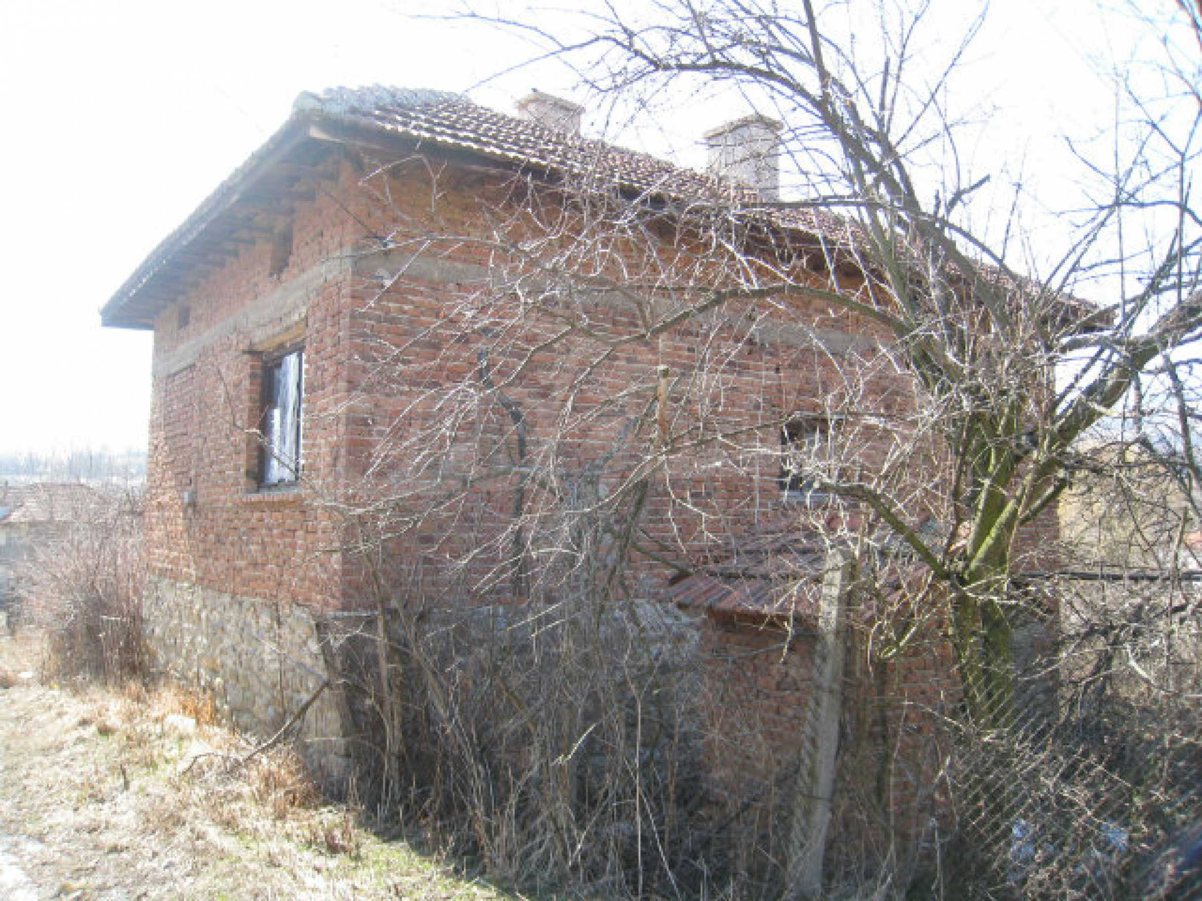 Old house with yard 70 km from Sofia 2