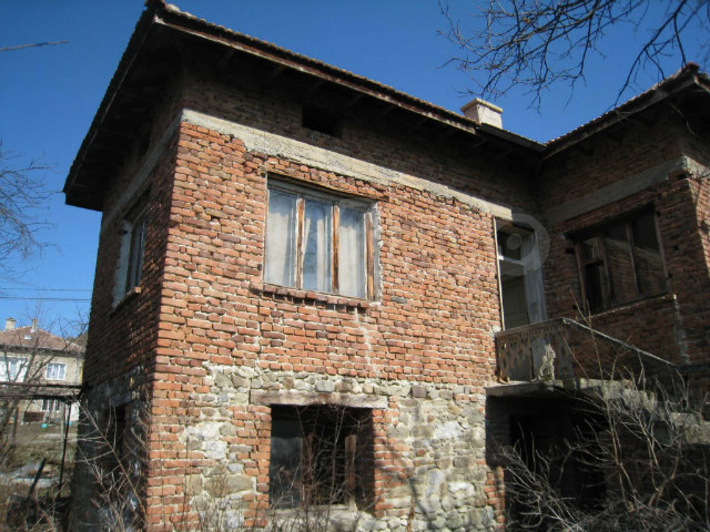 Old house with yard 70 km from Sofia 36