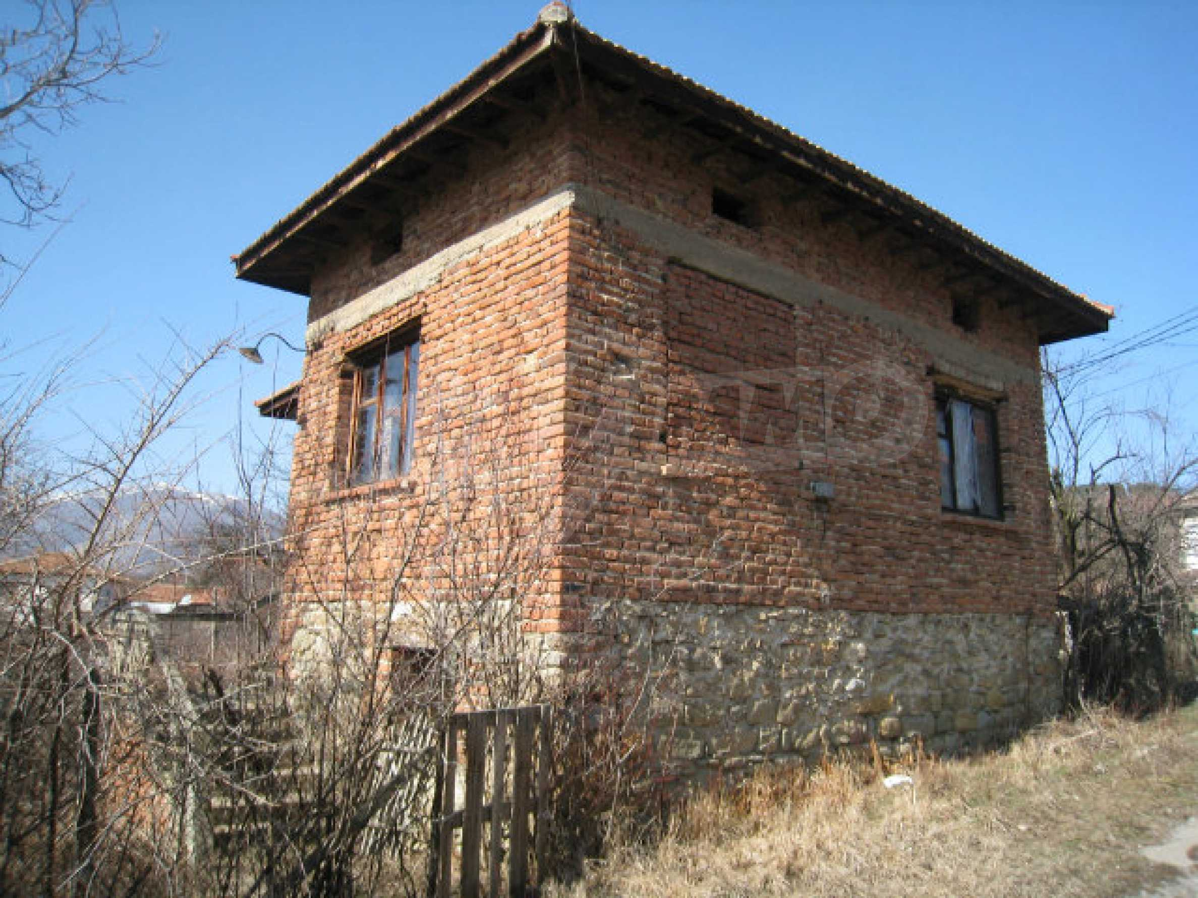 Old house with yard 70 km from Sofia 3