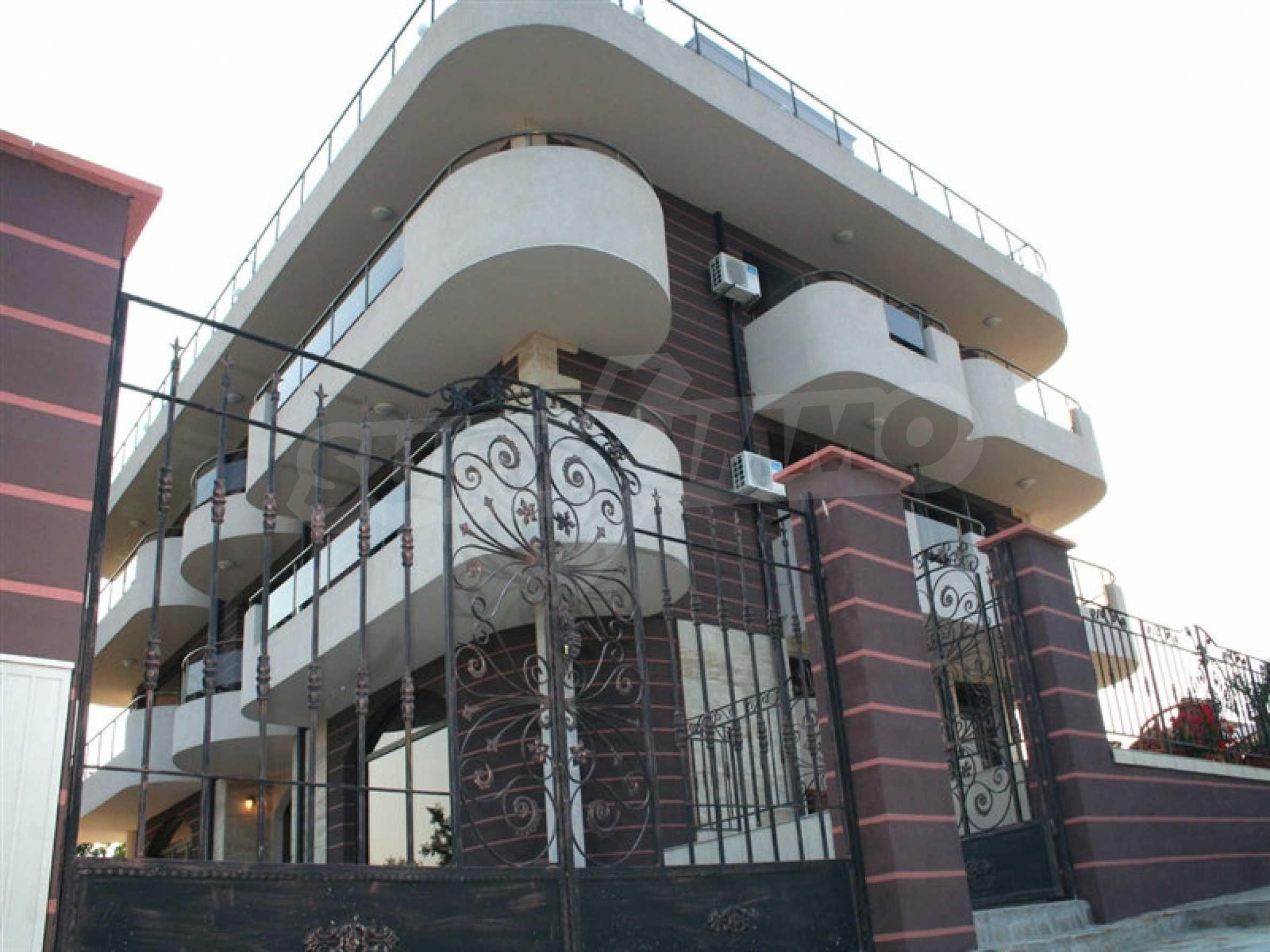 Отель на продажу в Резово 4