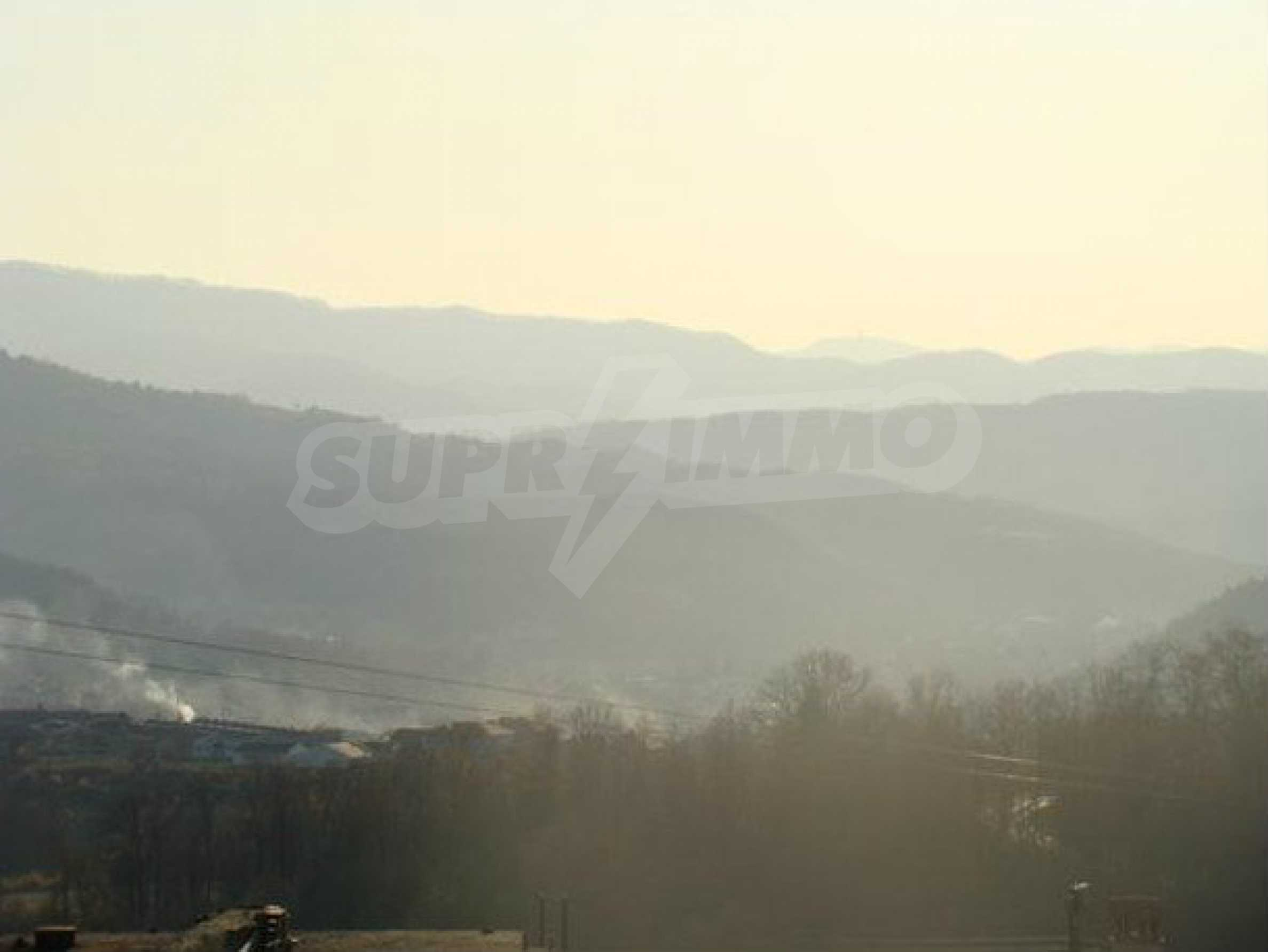 Plot of land with an old stone barn in a village 3 km. from popular Tryavna 3
