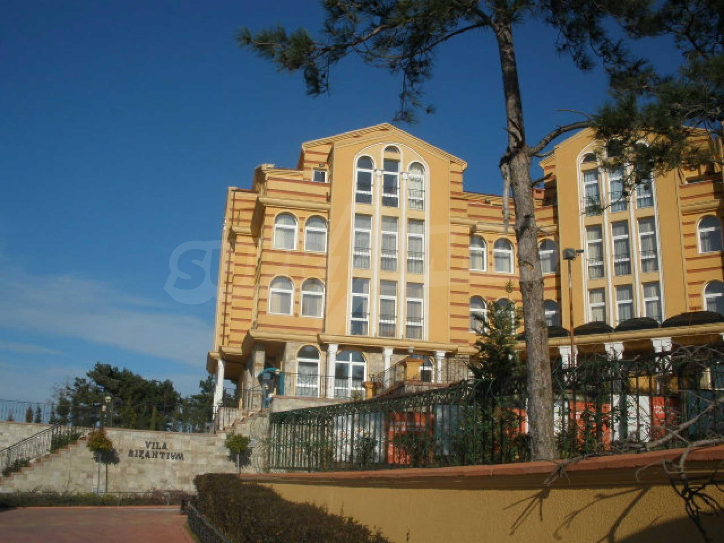 Трехкомнатный апартамент на продау в комплексе BIZANTIUM в Созополе 1