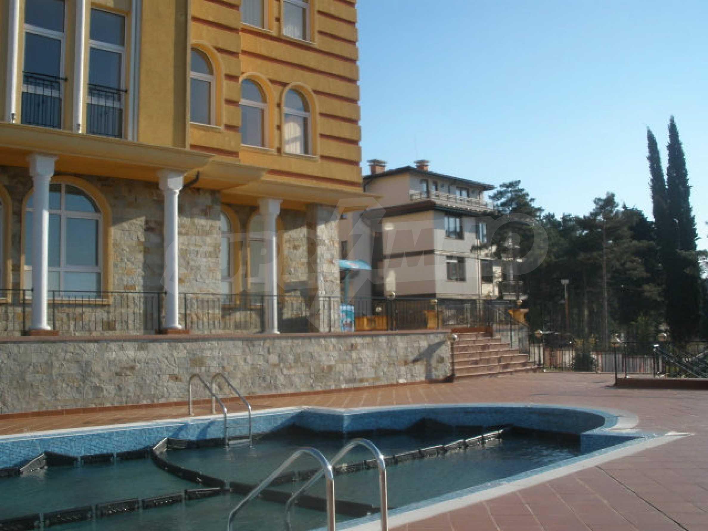 Трехкомнатный апартамент на продау в комплексе BIZANTIUM в Созополе 3