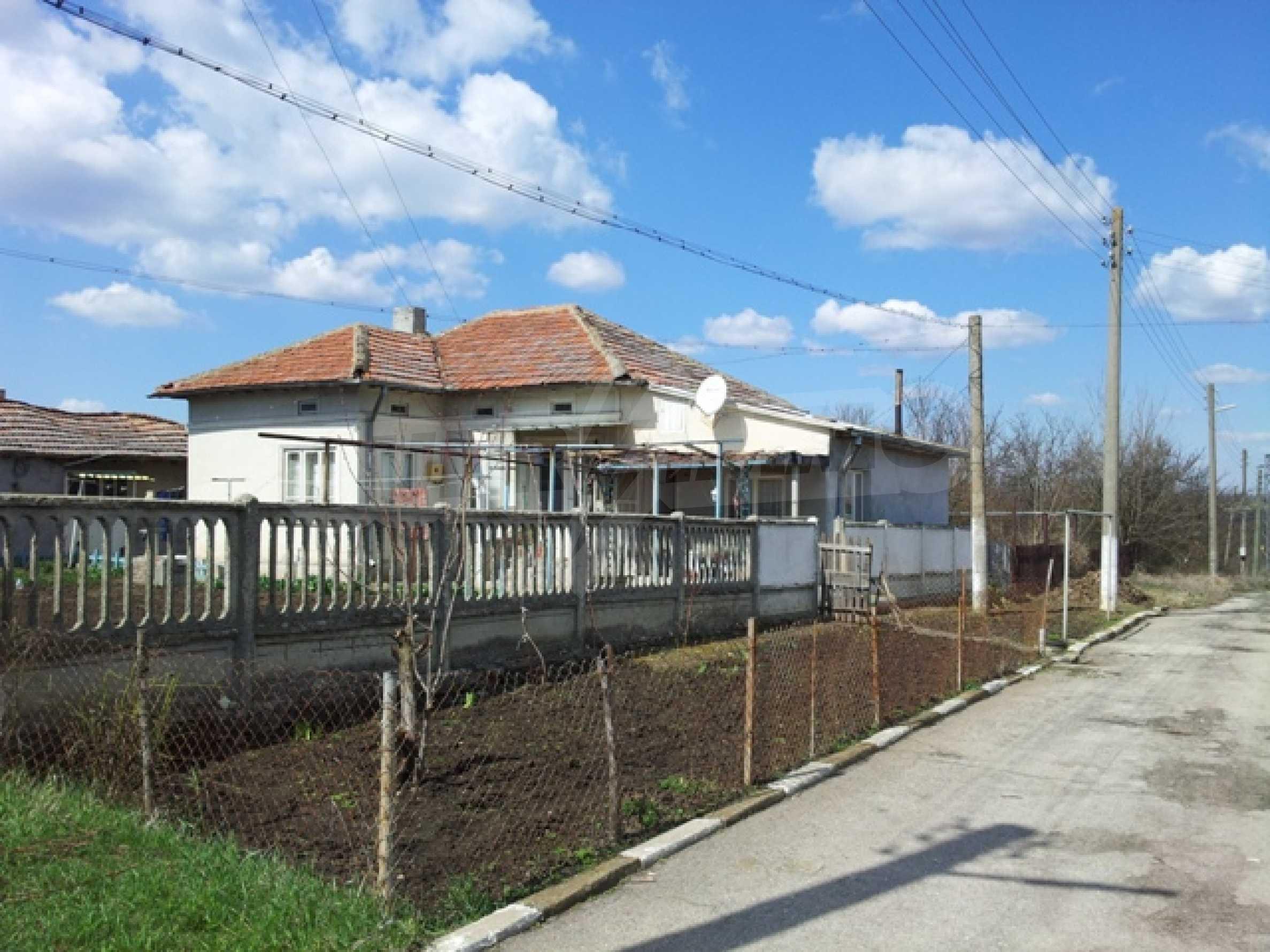 Дом близо до г. Добрич