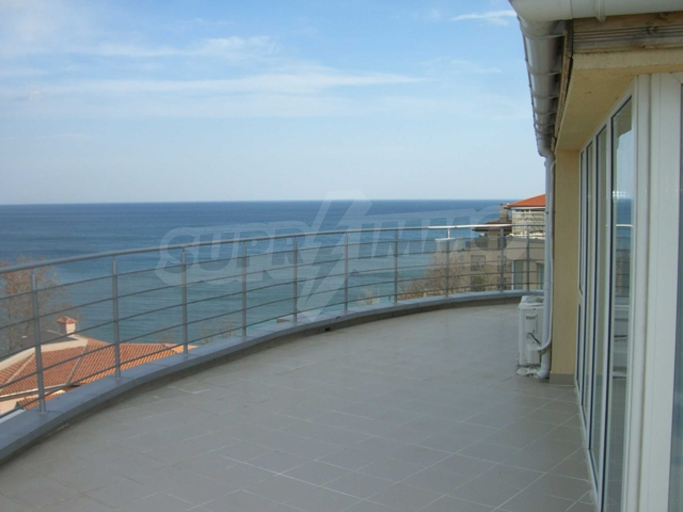 Two-bedroom apartment in Sunny House Complex 3