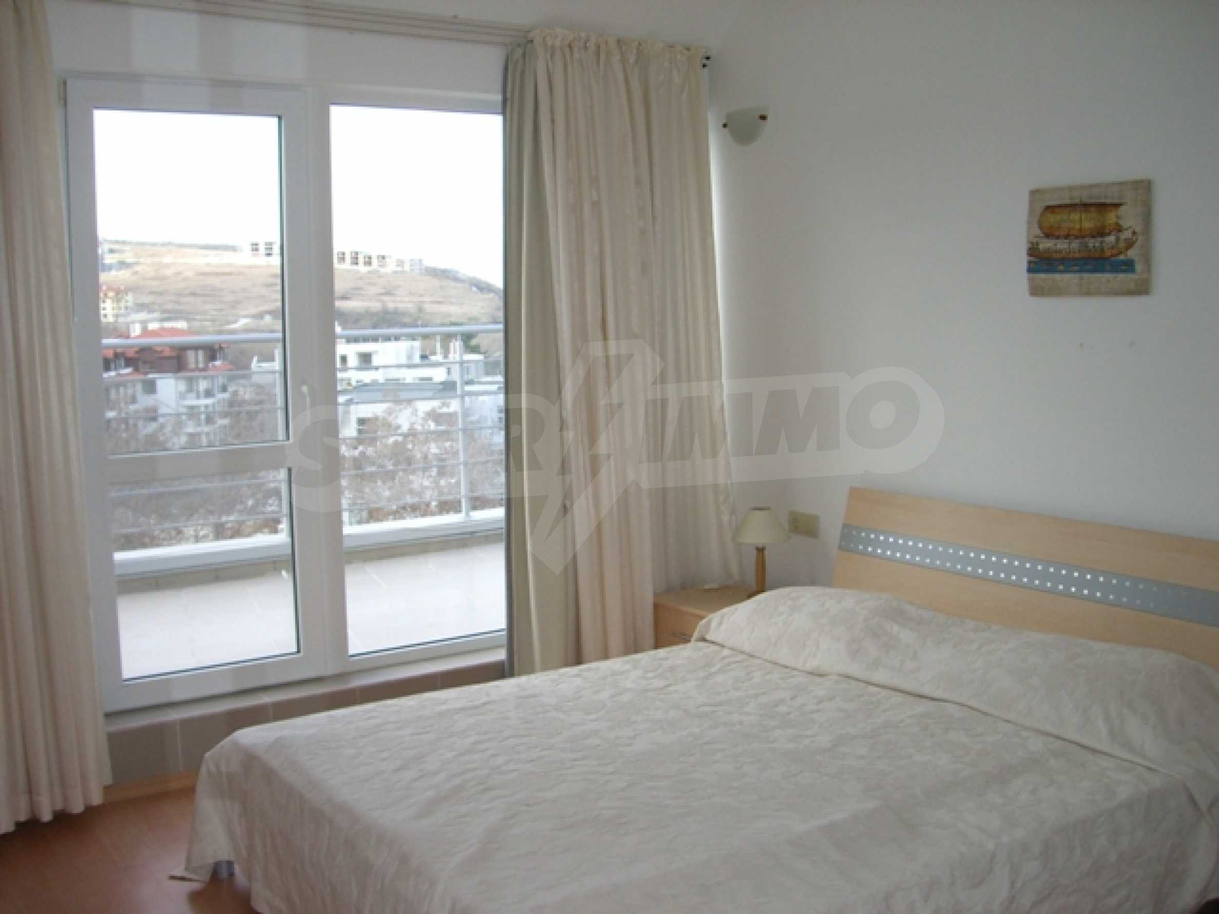 Two-bedroom apartment in Sunny House Complex 8