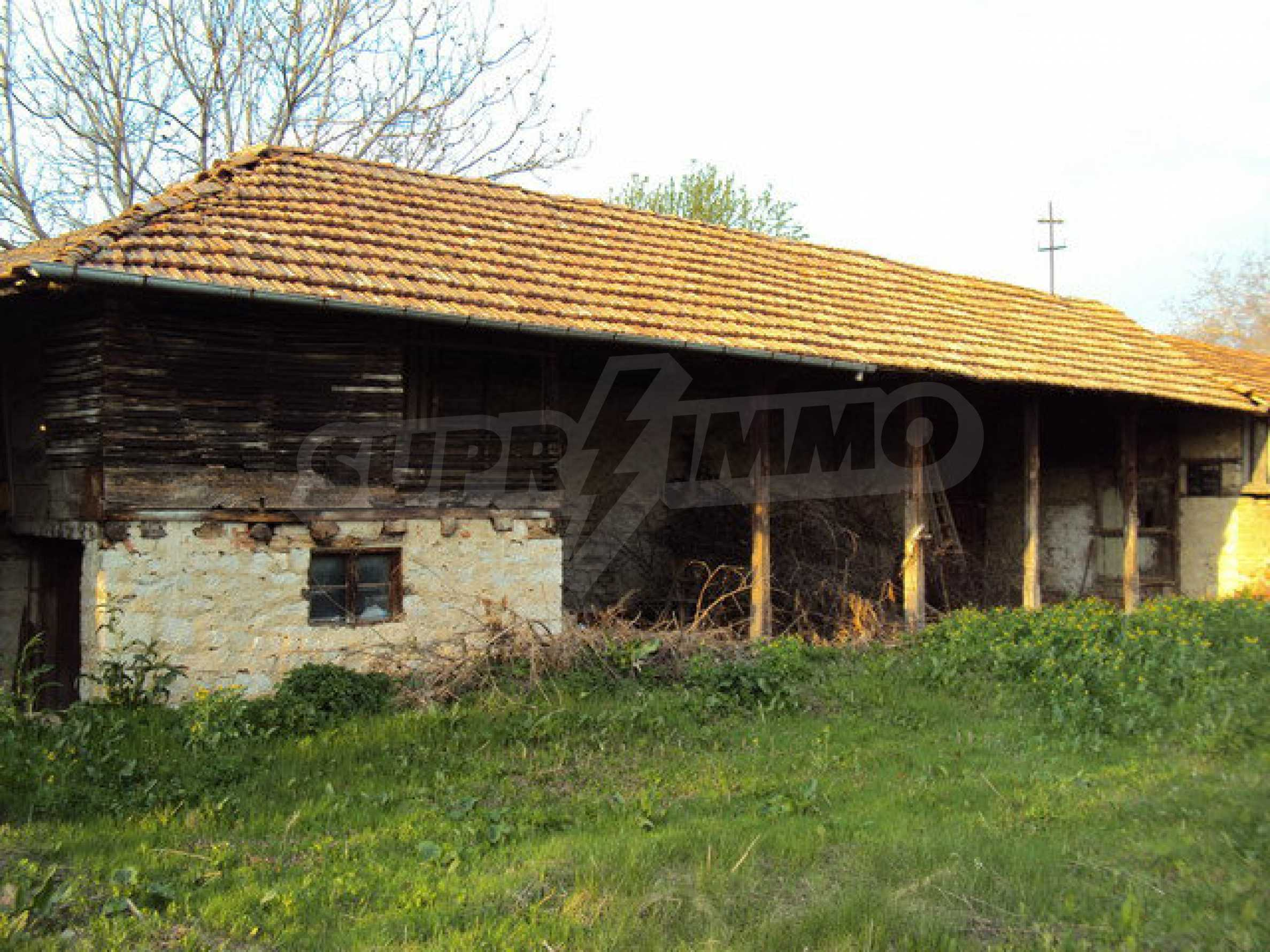 House with spacious garden is located in a beautiful and well developed village 30 km. from Veliko Tarnovo 14