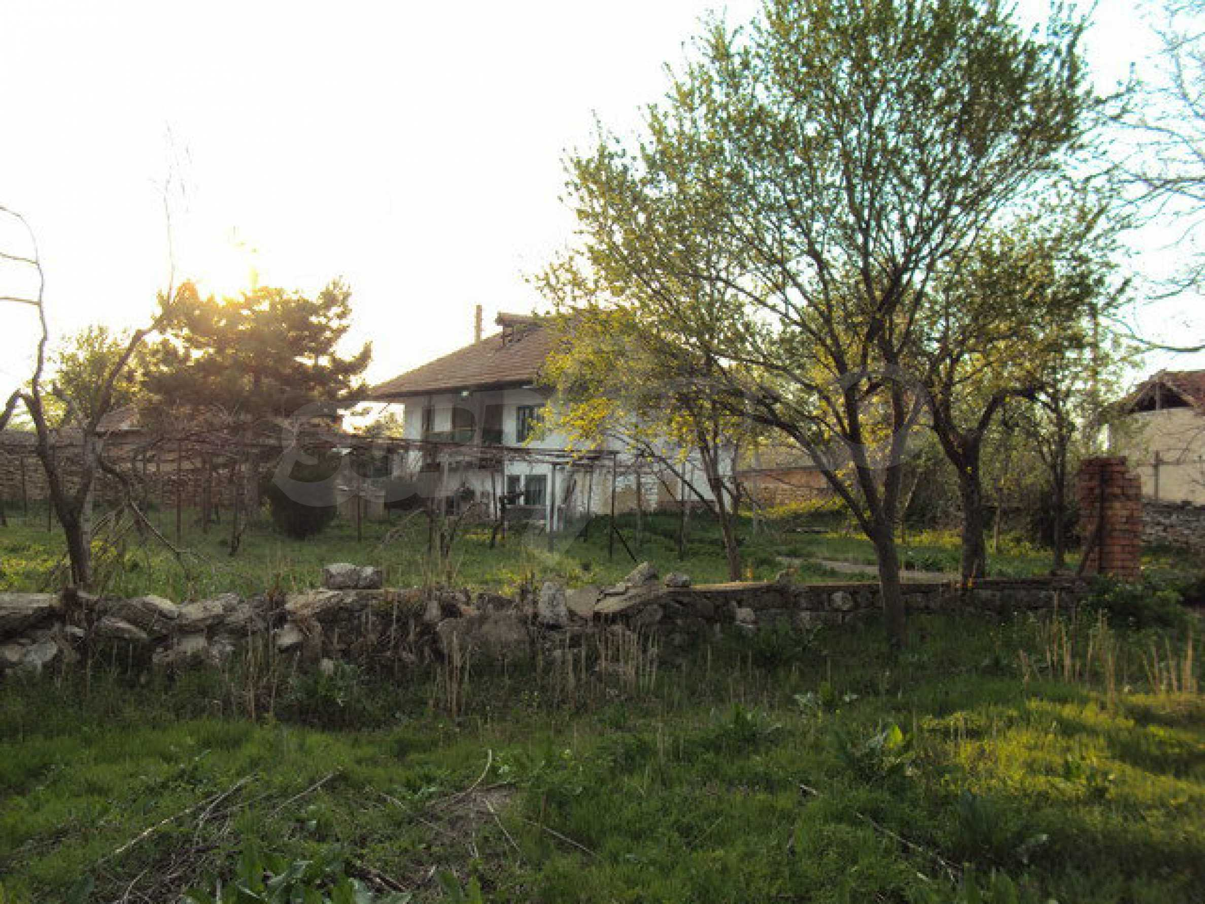 House with spacious garden is located in a beautiful and well developed village 30 km. from Veliko Tarnovo 23