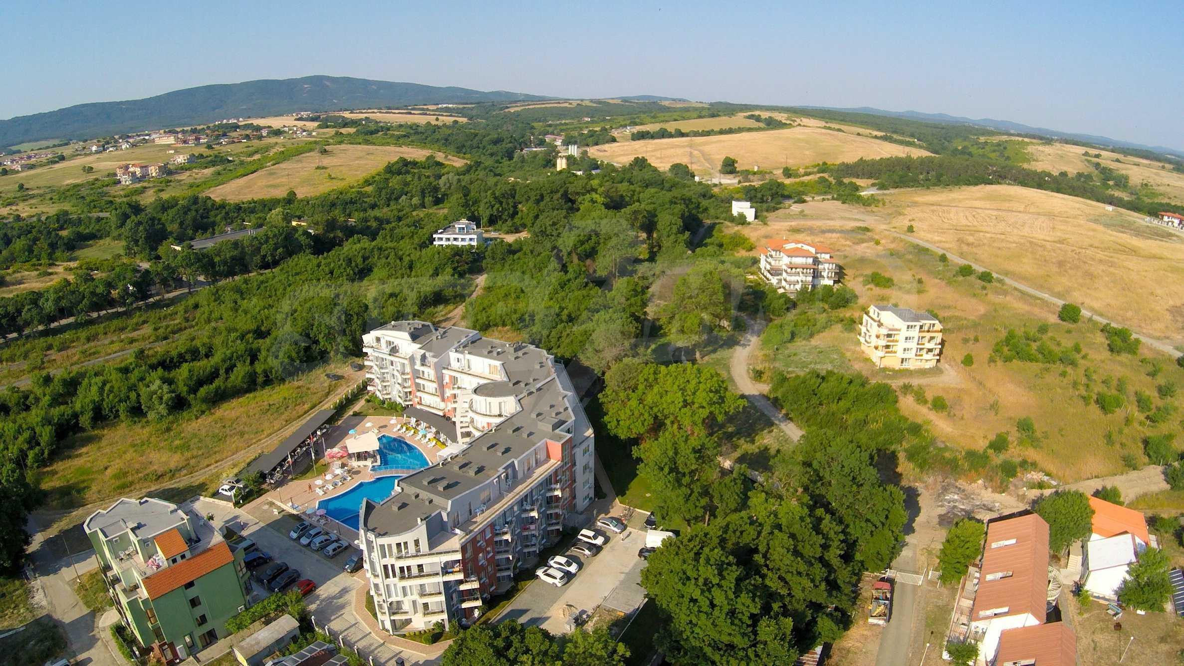 Трехкомнатный апартамент на продажу в комплексе Emberli в курорте Лозенец 33