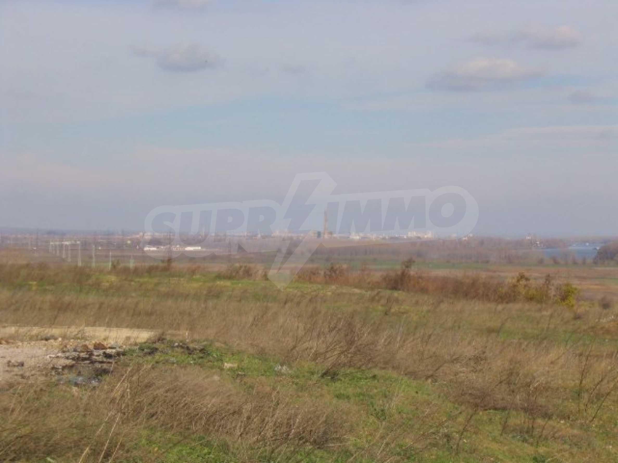 Development land near Vidin 9