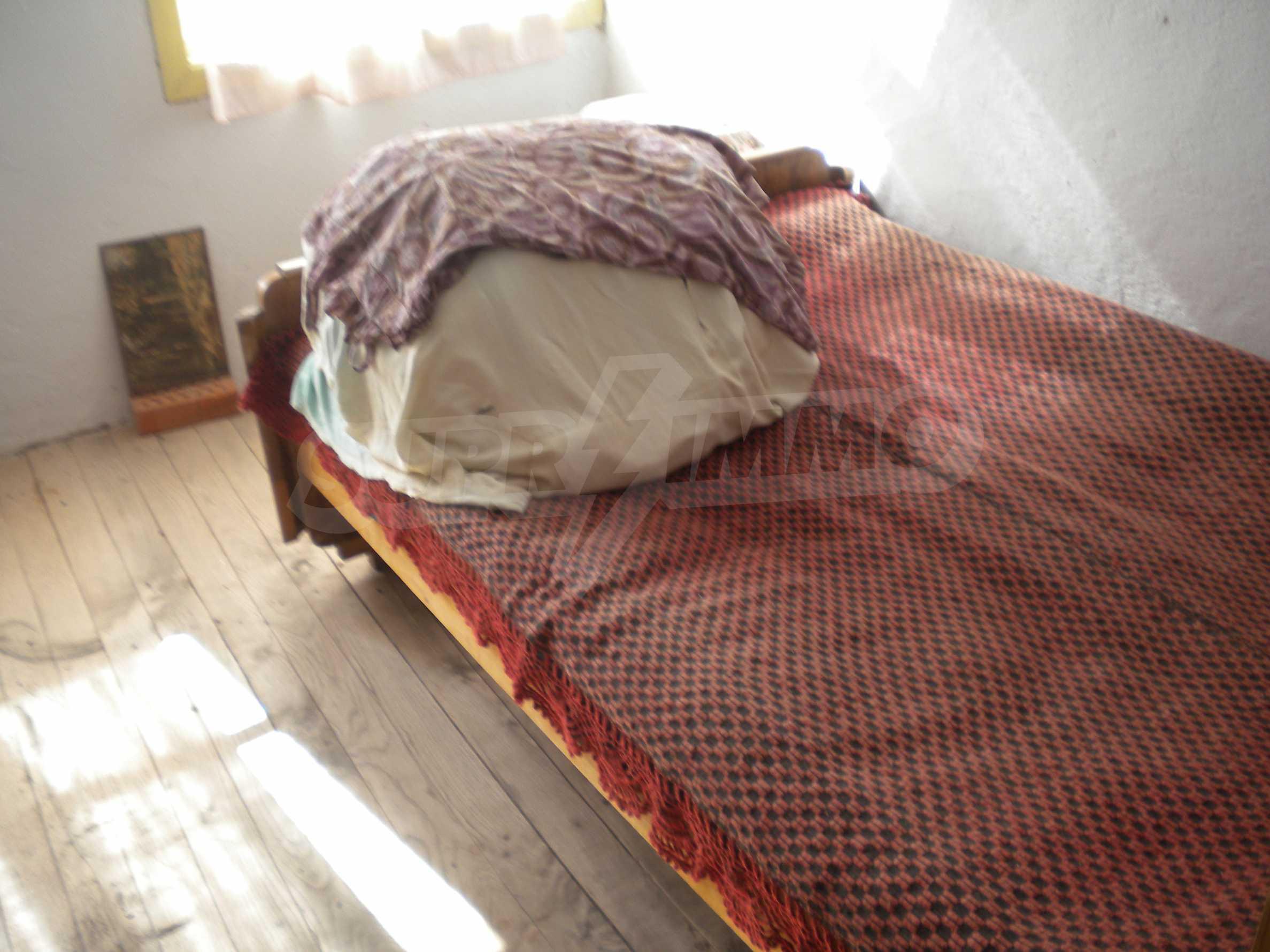Къща на два етажа в полите на Стара планина близо до Белоградчик 13